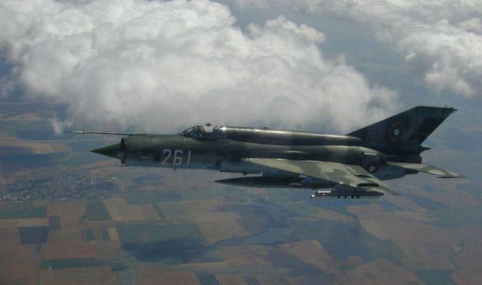 Việt Nam từng biên chế số lượng lớn MiG-21Bis, phiên bản mạnh ngang F-16 của Mỹ - Ảnh 11.