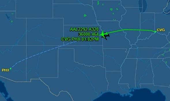Sốc: American Airlines bắt gặp phi thuyền của người ngoài hành tinh - Ảnh 3.