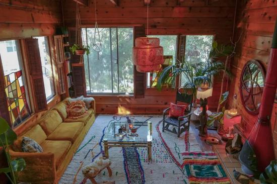 Ngất ngây với ngôi nhà trên núi đáng mơ ước, tinh tế đến từng chi tiết - Ảnh 2.