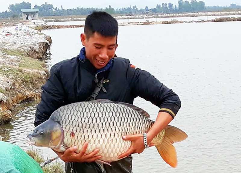 """Văn Đức rời thành phố Hải Phòng """"đầu quân"""" sang Quảng Ninh nuôi cá trắm đen khủng, doanh thu 15-20 tỷ mỗi năm - Ảnh 1."""