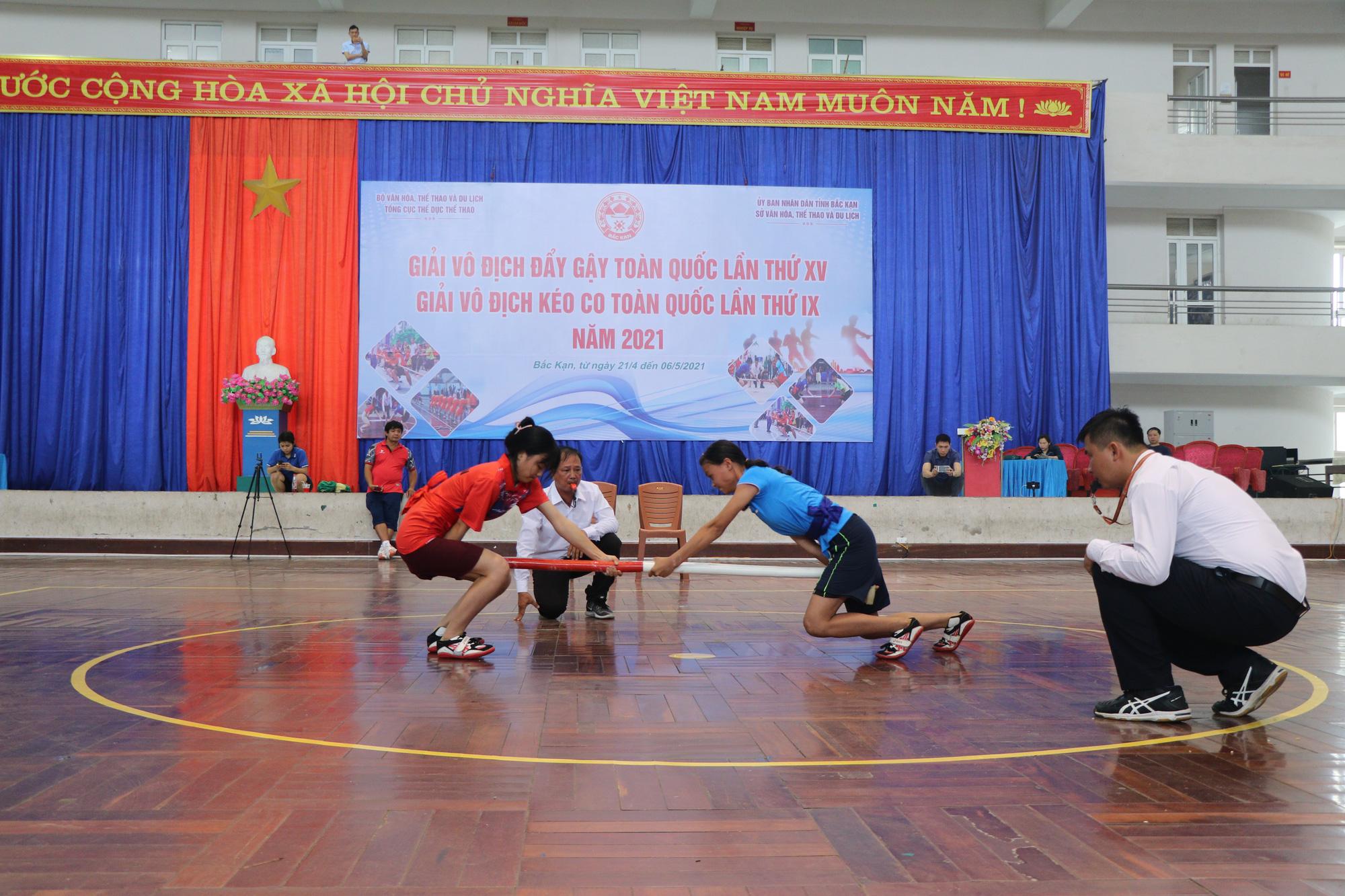 Bắc Kạn khai mạc giải vô địch Đẩy gậy và Kéo co toàn quốc - Ảnh 2.