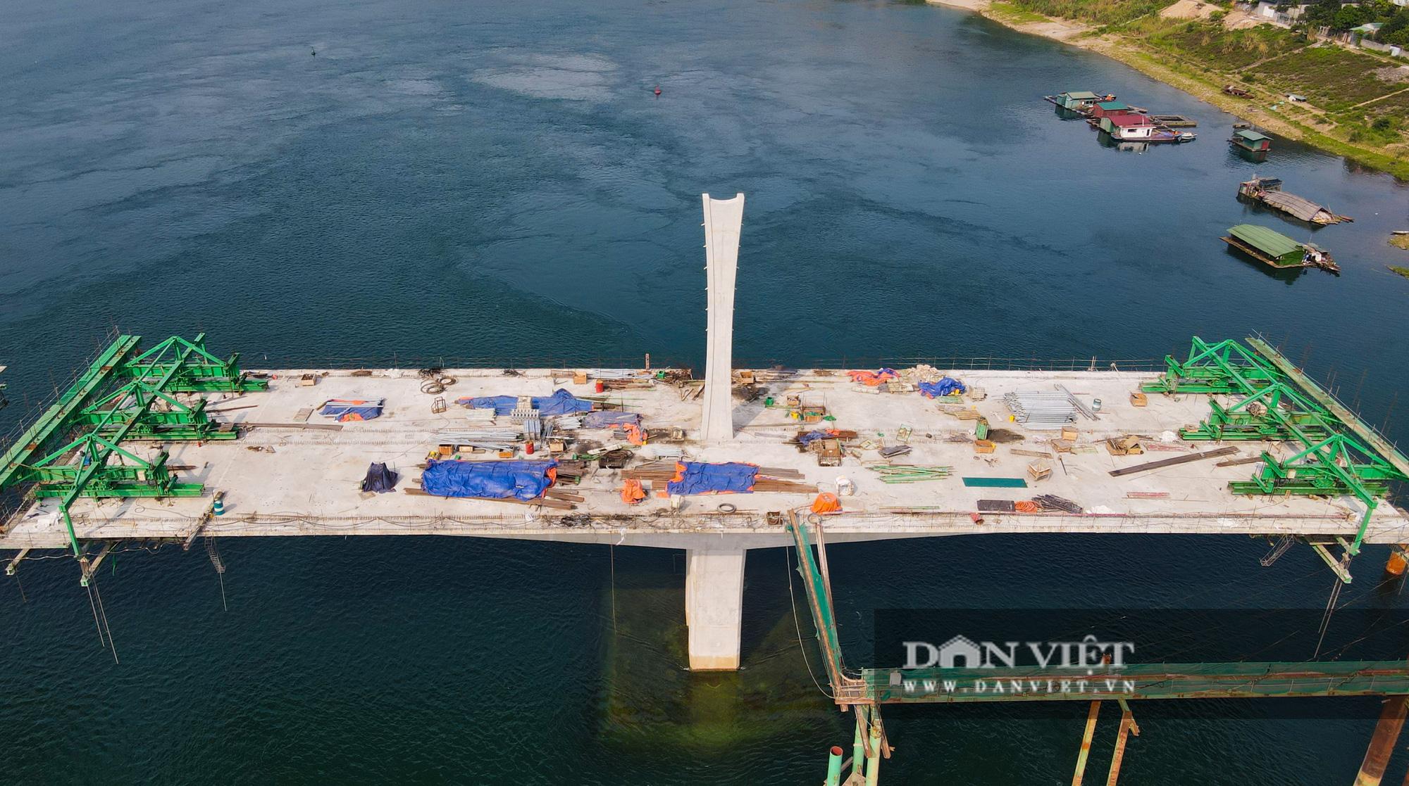Toàn cảnh cây cầu Hoà Bình 2 trị giá gần 600 tỷ bắc qua sông Đà - Ảnh 8.