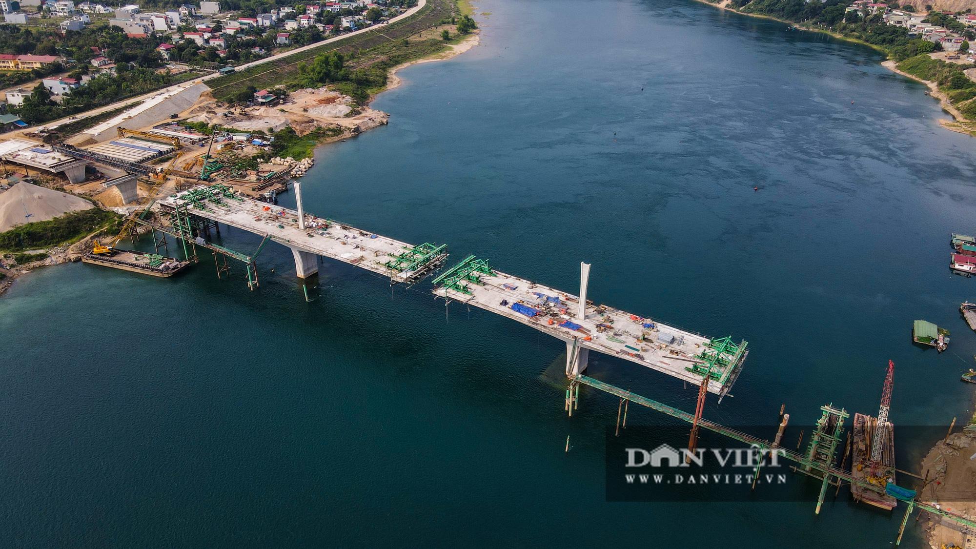 Toàn cảnh cây cầu Hoà Bình 2 trị giá gần 600 tỷ bắc qua sông Đà - Ảnh 11.