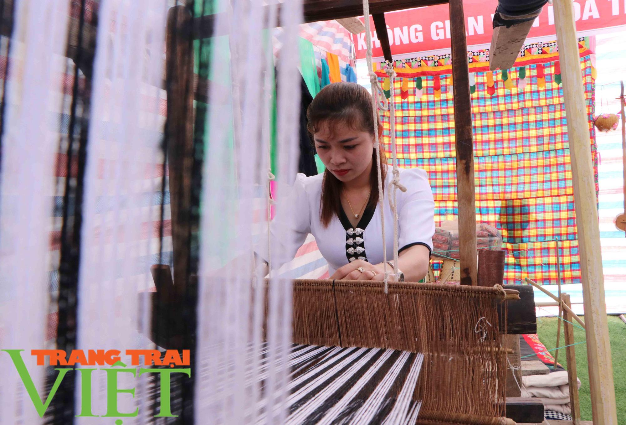 Lễ hội Then Kin Pang – Linh hồn của người dân tộc Thái Trắng - Ảnh 4.