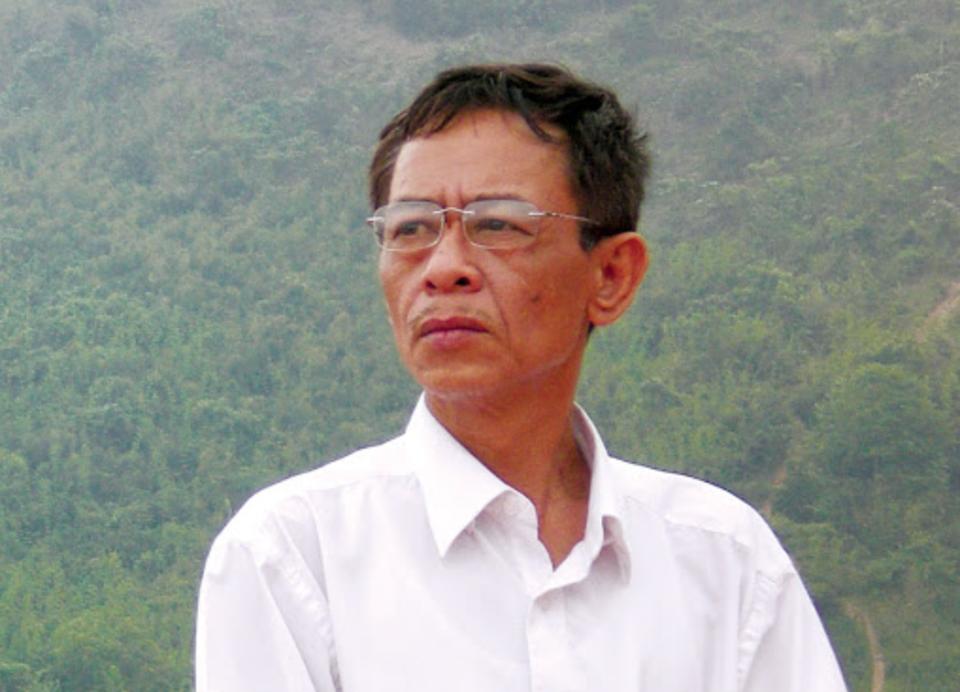 Nhà thơ Hoàng Nhuận Cầm