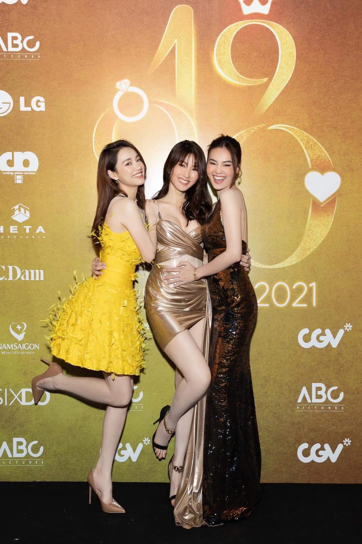 """3 nữ diễn viên chính phim """"1990"""" - ai sở hữu phong cách thời trang gợi cảm nhất? - Ảnh 2."""