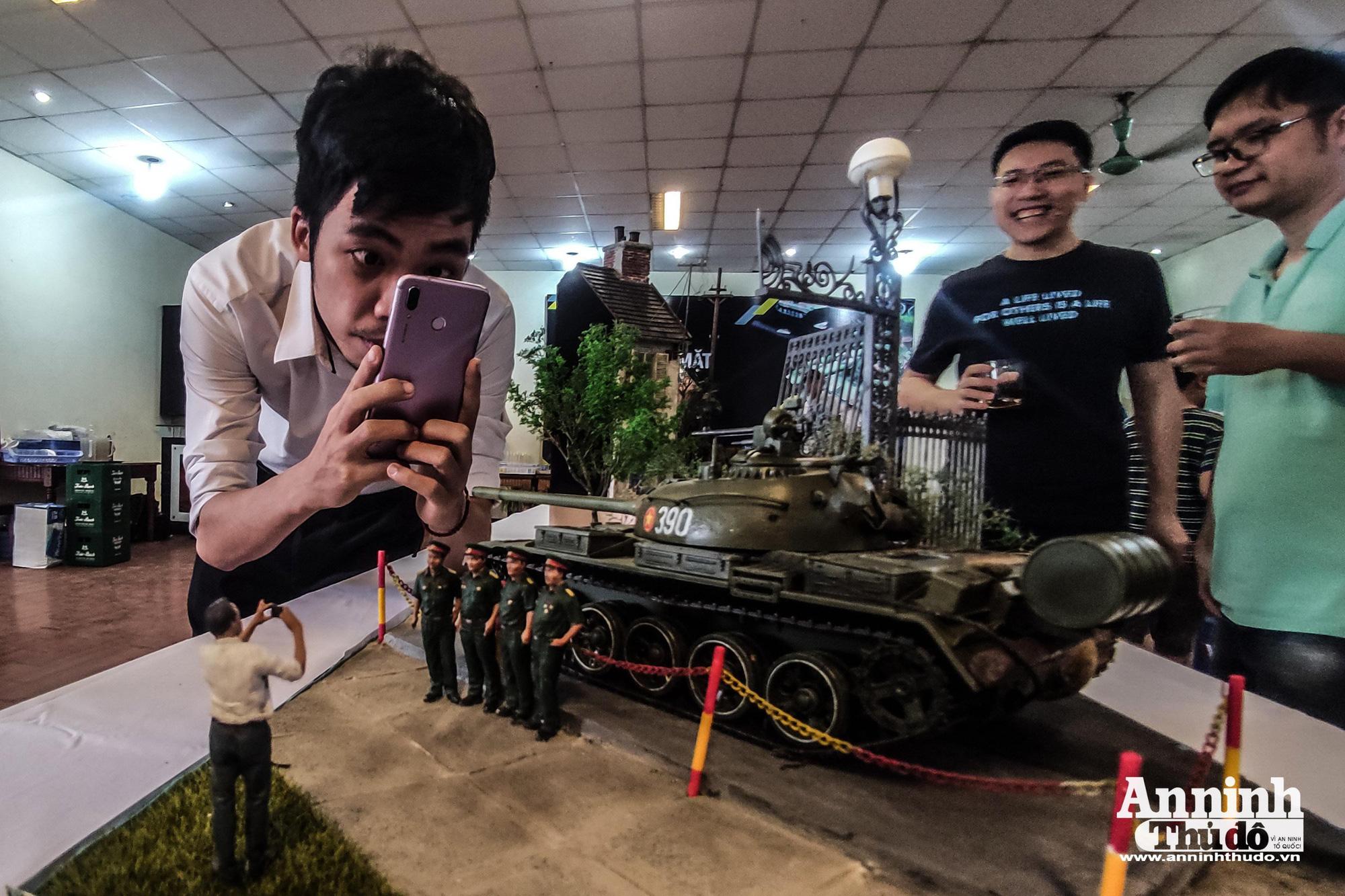 Những khí tài quân sự được tái hiện lại, mang theo bao ký ức hào hùng ở Hà Nội - Ảnh 1.