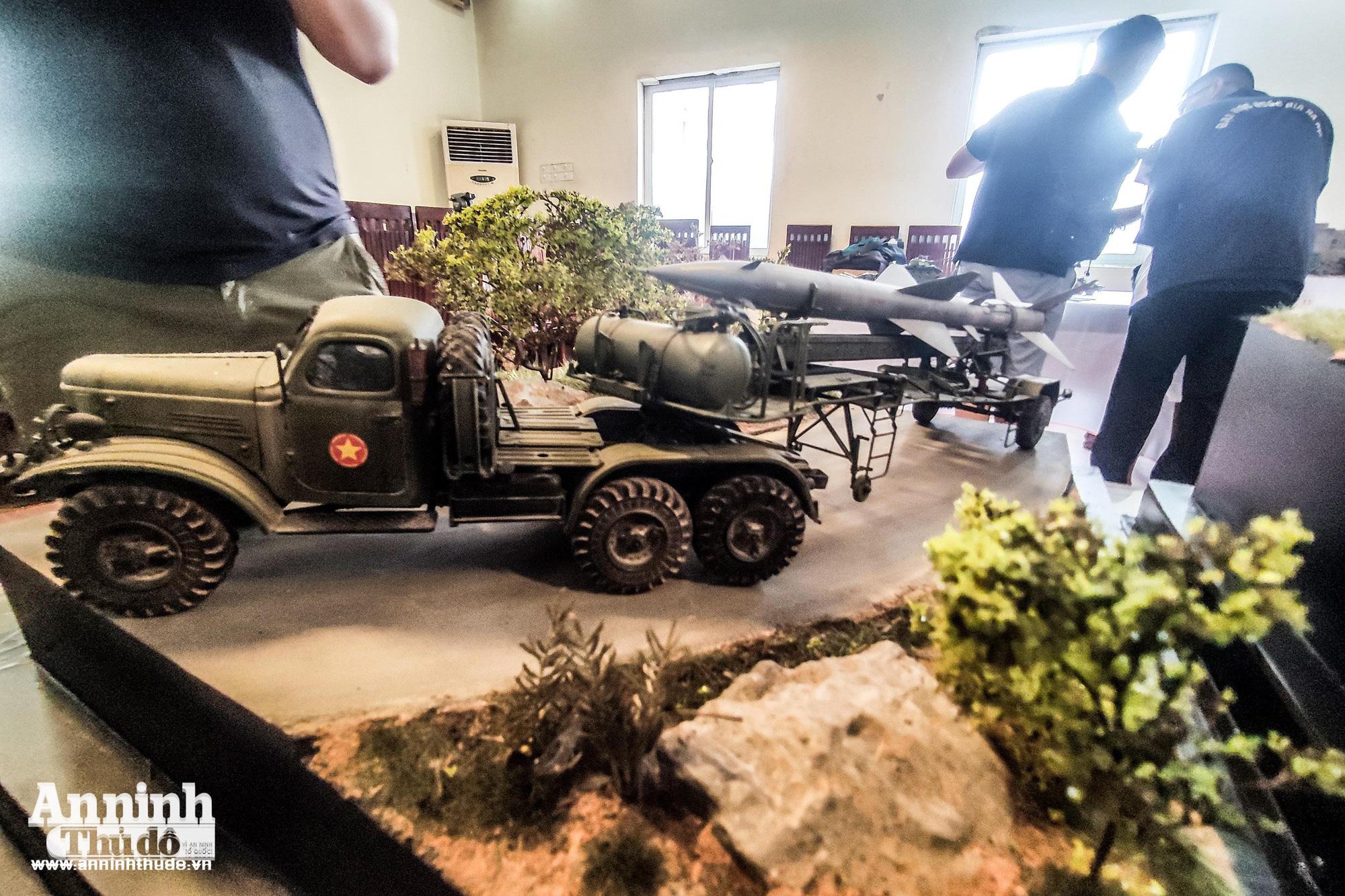 Những khí tài quân sự được tái hiện lại, mang theo bao ký ức hào hùng ở Hà Nội - Ảnh 8.