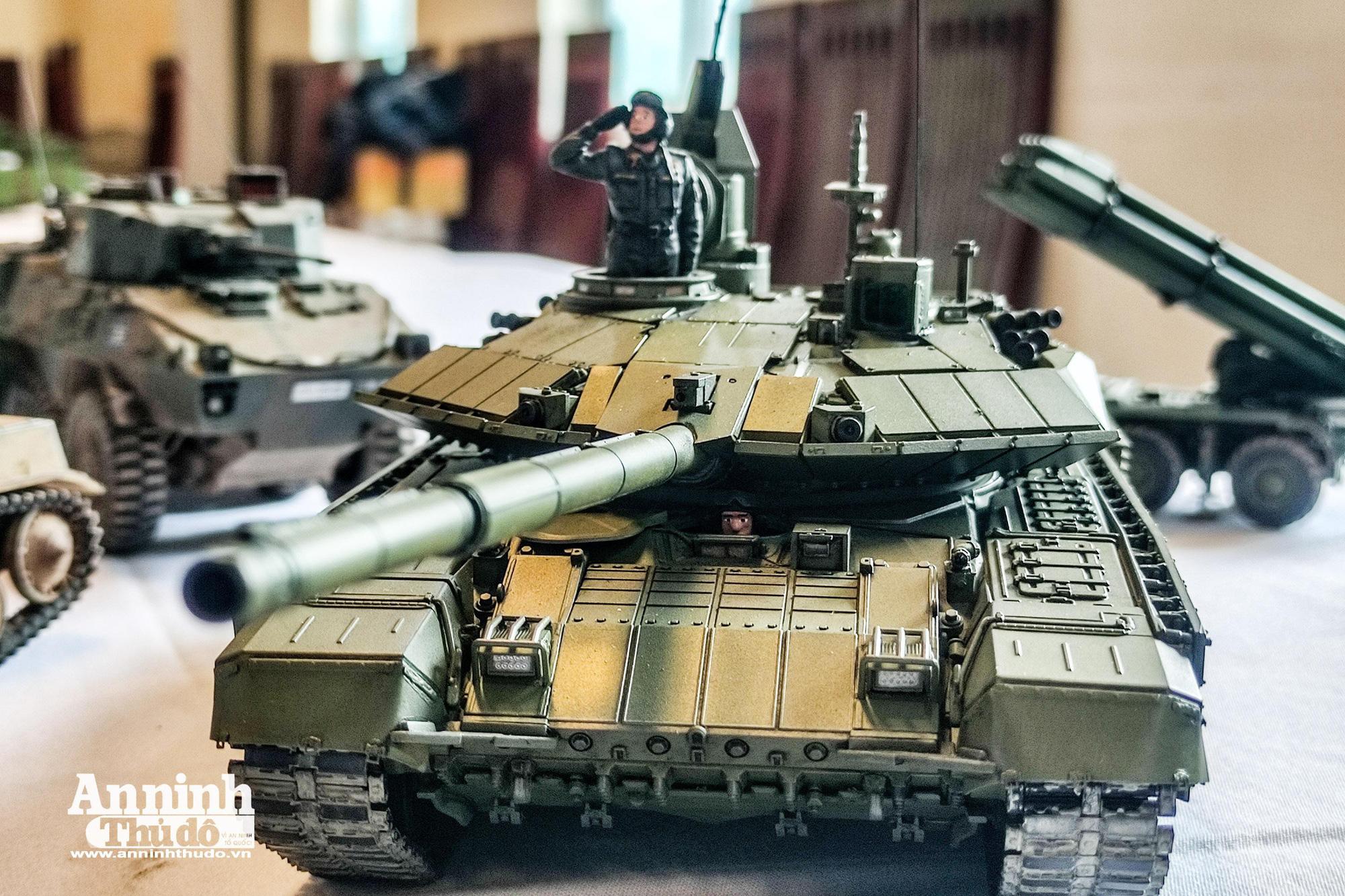 Những khí tài quân sự được tái hiện lại, mang theo bao ký ức hào hùng ở Hà Nội - Ảnh 13.