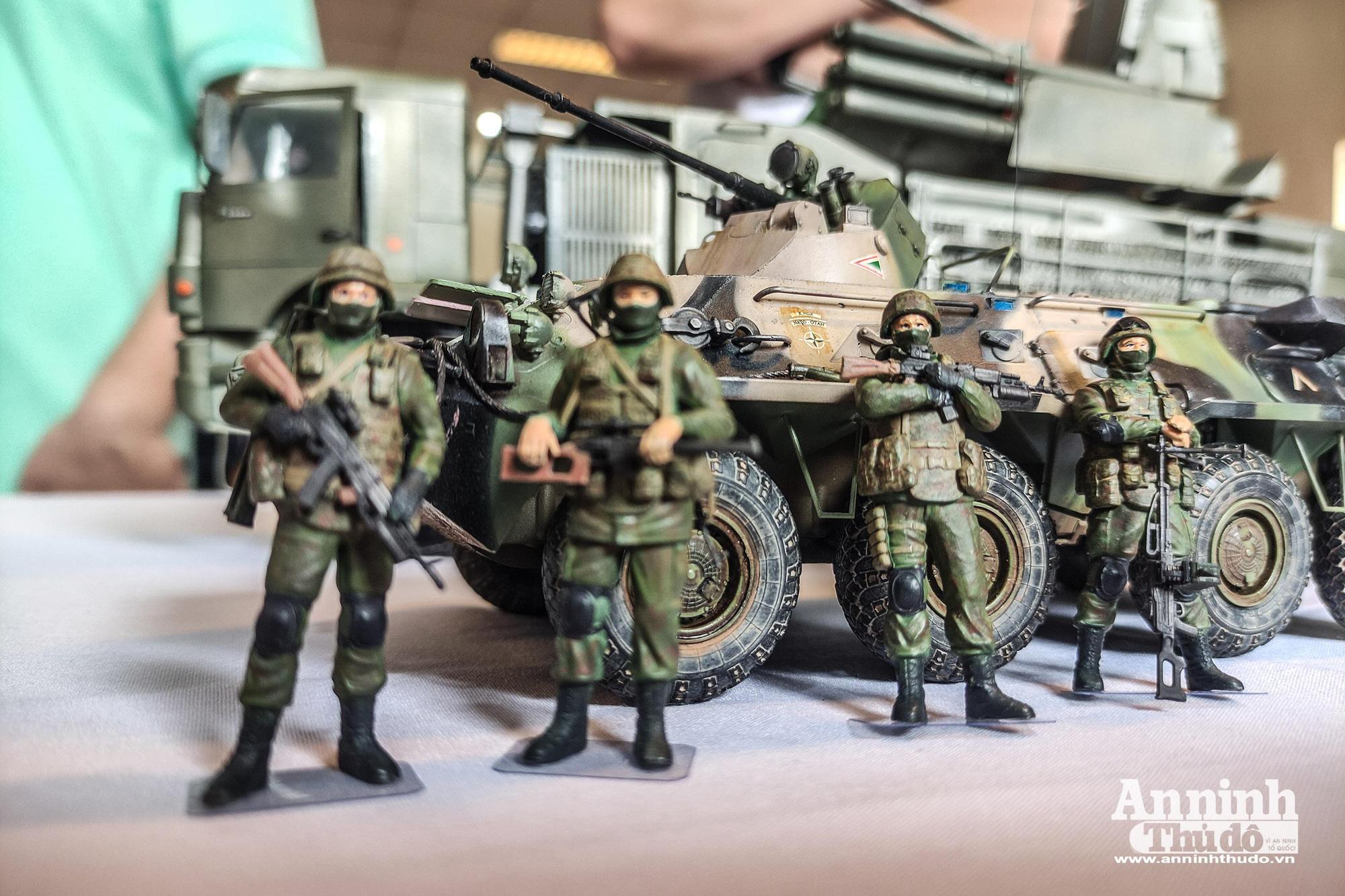 Những khí tài quân sự được tái hiện lại, mang theo bao ký ức hào hùng ở Hà Nội - Ảnh 18.