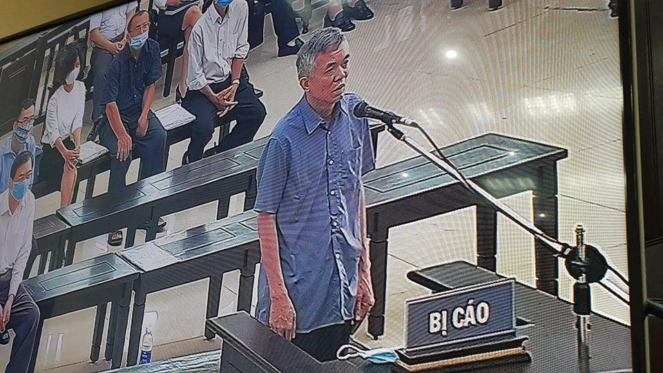 Cựu Bộ trưởng Vũ Huy Hoàng xin được ngồi ở phiên tòa - Ảnh 3.