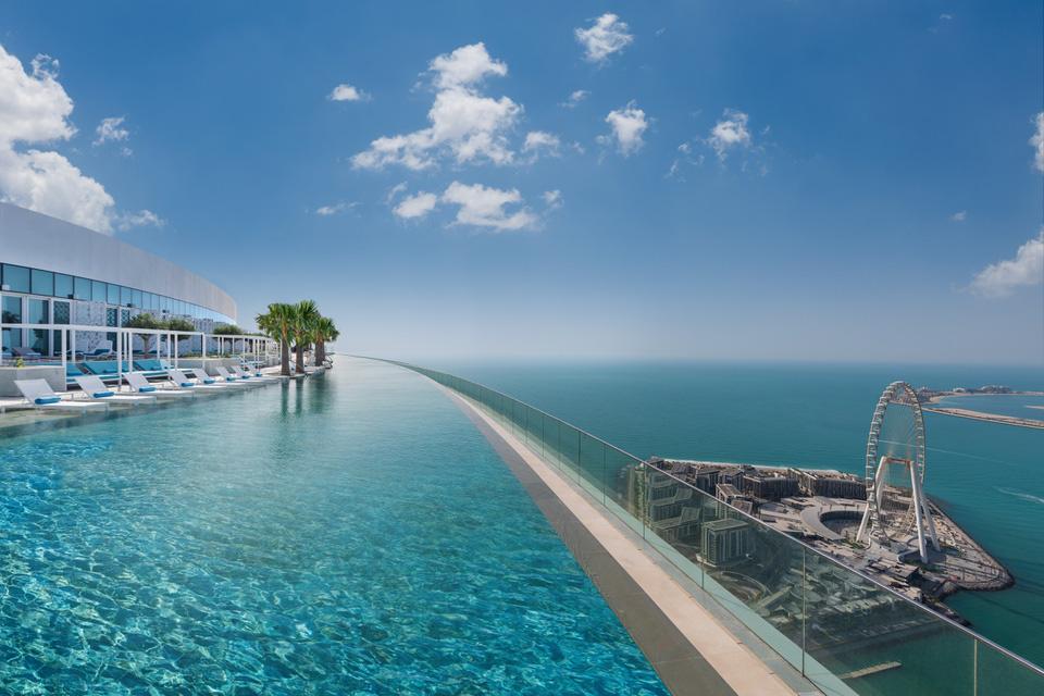 Chiêm ngưỡng bể bơi vô cực cao nhất thế giới ở Dubai - Ảnh 3.