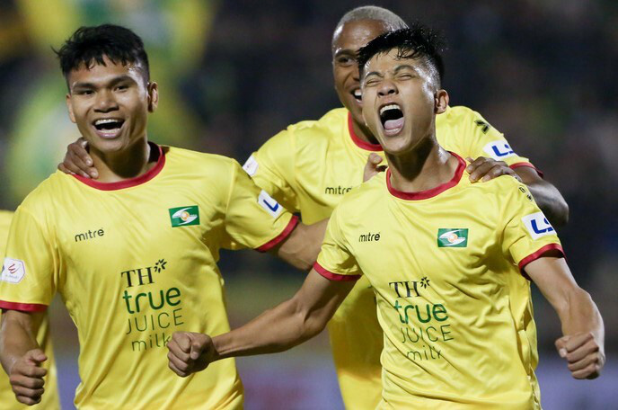 """Phan Văn Đức và 15 cầu thủ sắp đáo hạn hợp đồng: SLNA """"tan đàn xẻ nghé""""? - Ảnh 2."""
