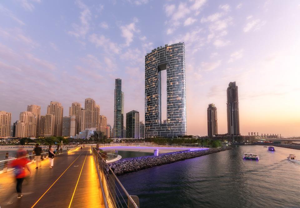 Chiêm ngưỡng bể bơi vô cực cao nhất thế giới ở Dubai - Ảnh 7.