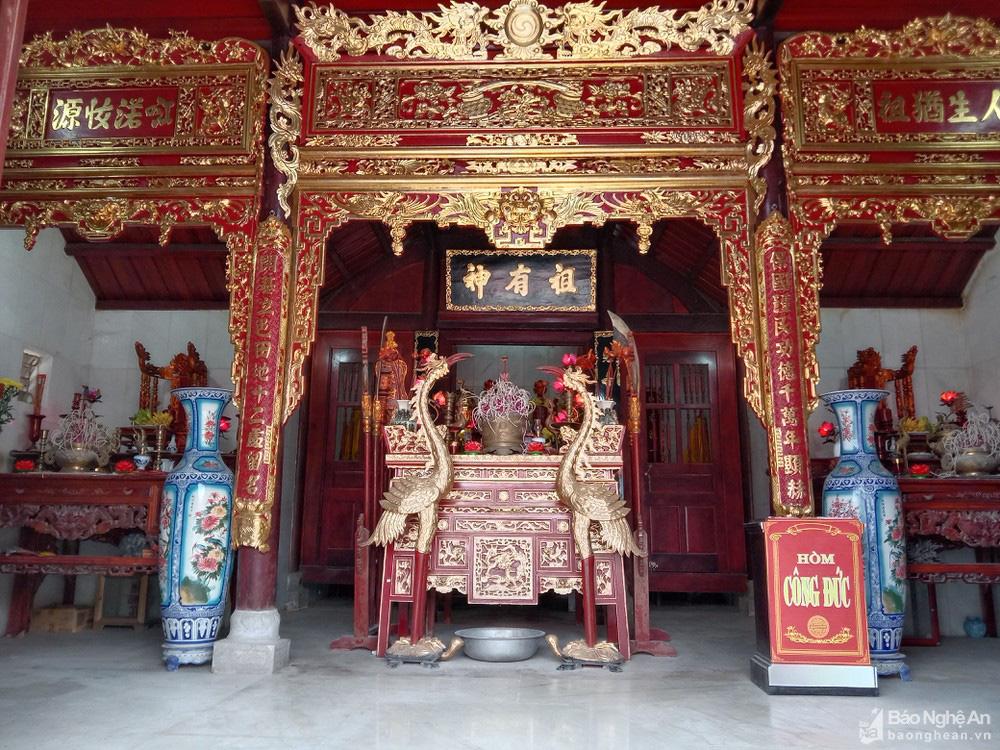 Chuyện lạ kỳ ở Nghệ An: Một nhà thờ thờ chung 2 dòng họ? - Ảnh 2.