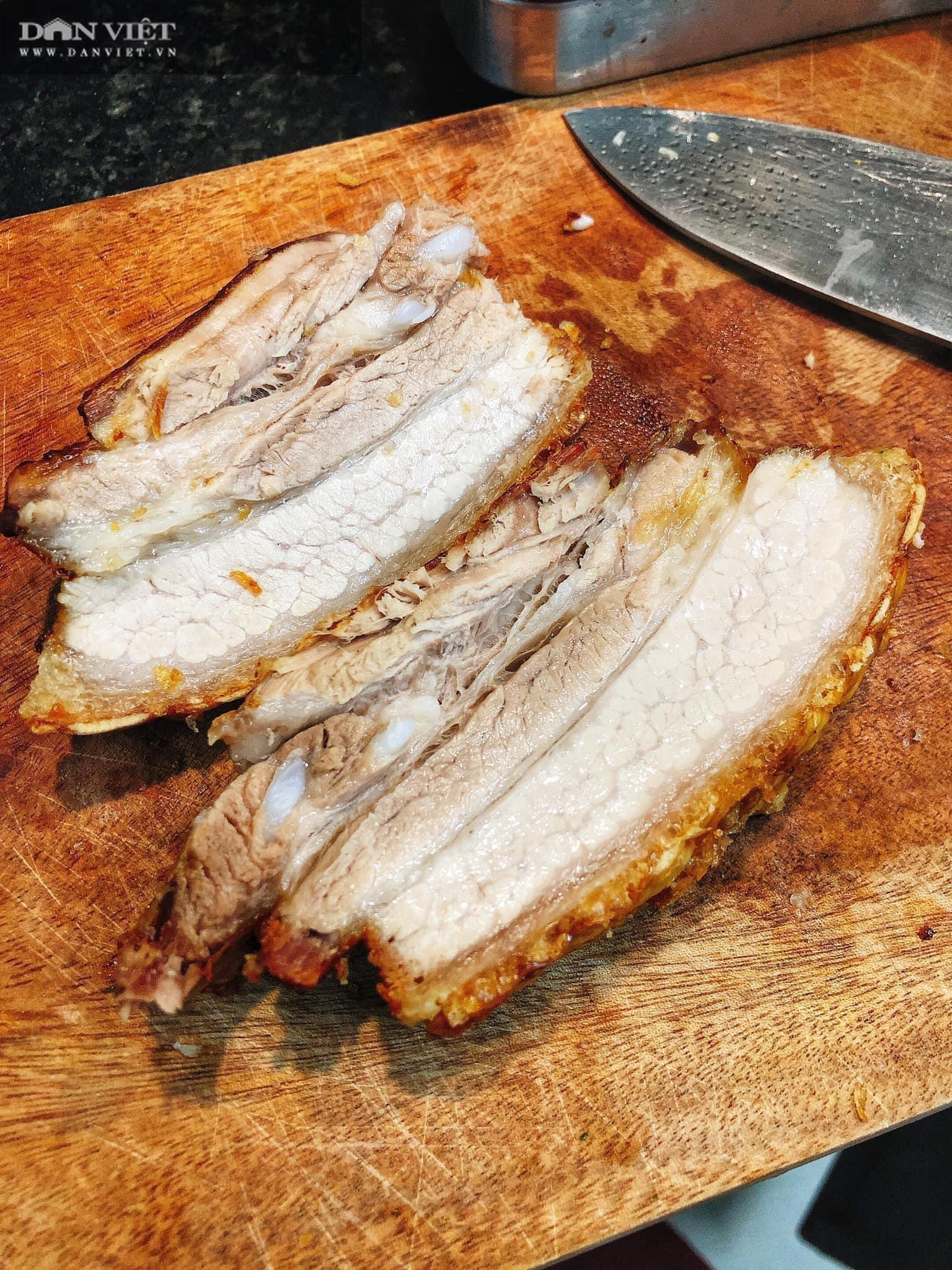 Chỉ cần làm điều này, đảm bảo thịt quay bằng nồi chiên không dầu ngon đúng chuẩn - Ảnh 9.