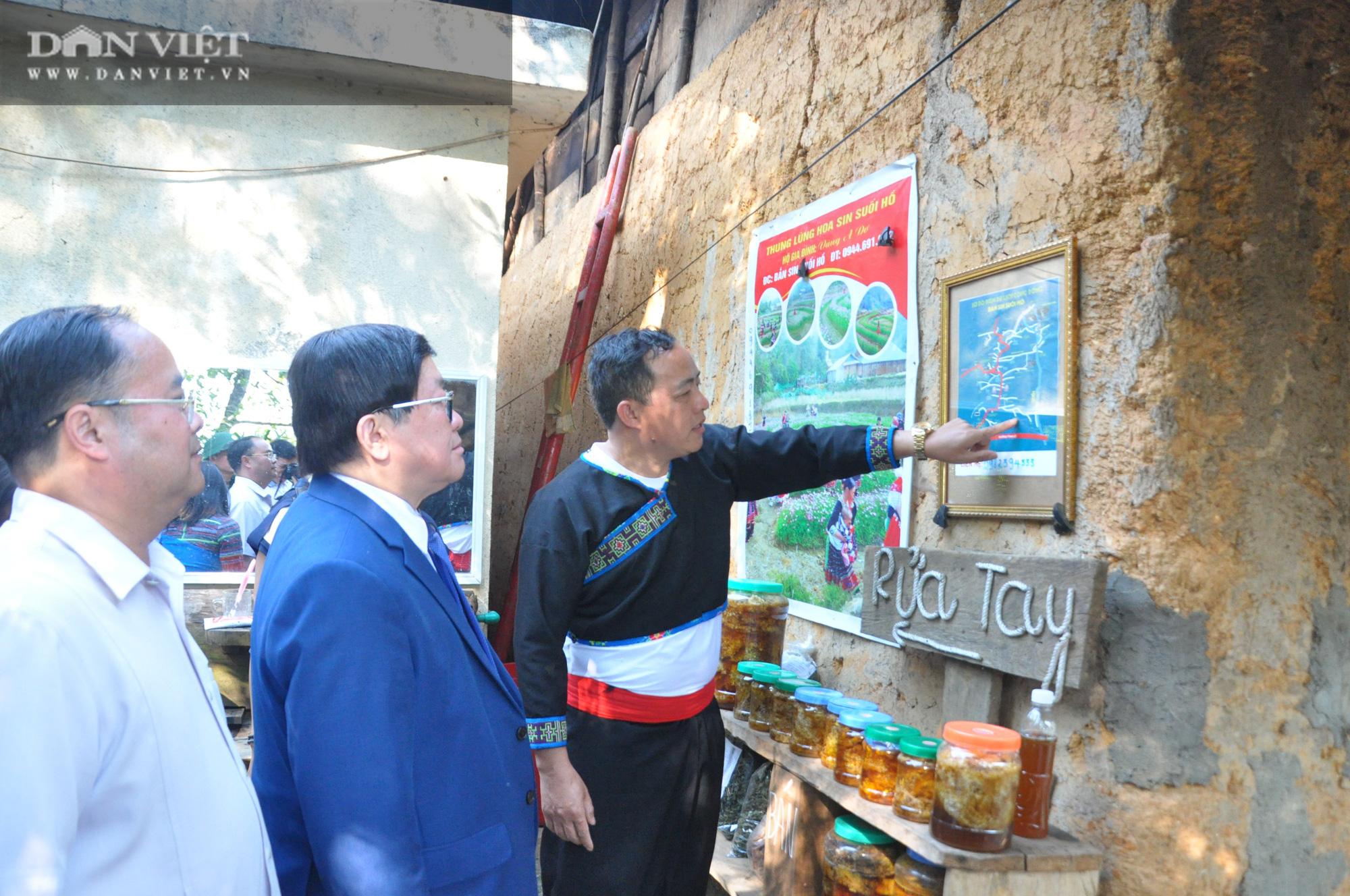 """Chủ tịch Hội Nông dân Việt Nam thăm bản """"5 không"""" lạ lùng bên đỉnh Sơn Bạc Mây - Ảnh 2."""