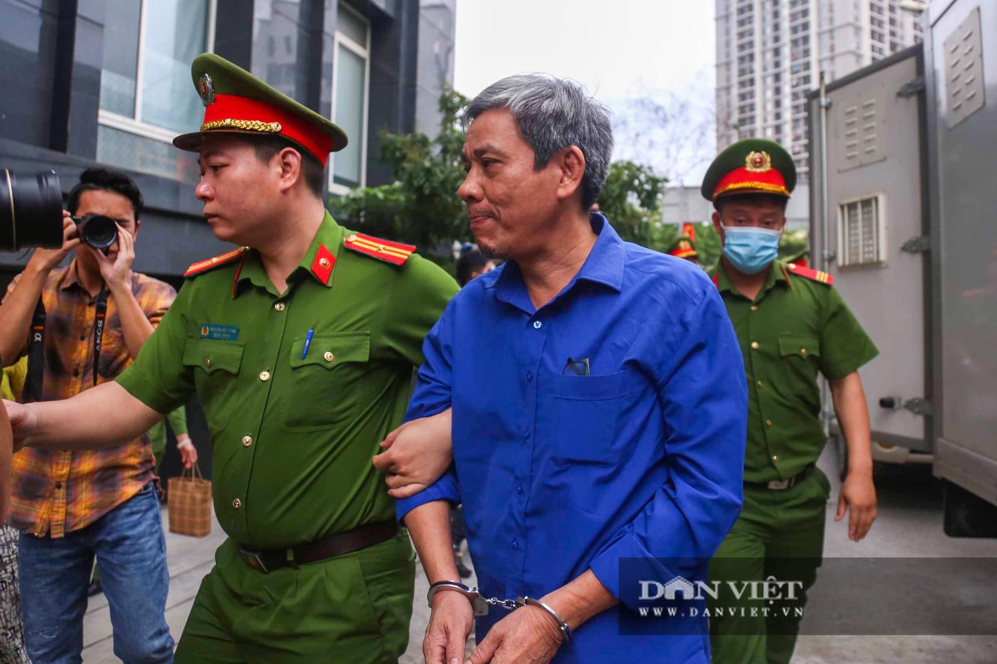 Cựu Bộ trưởng Vũ Huy Hoàng trông thế nào ở phiên xử lần thứ 3? - Ảnh 8.
