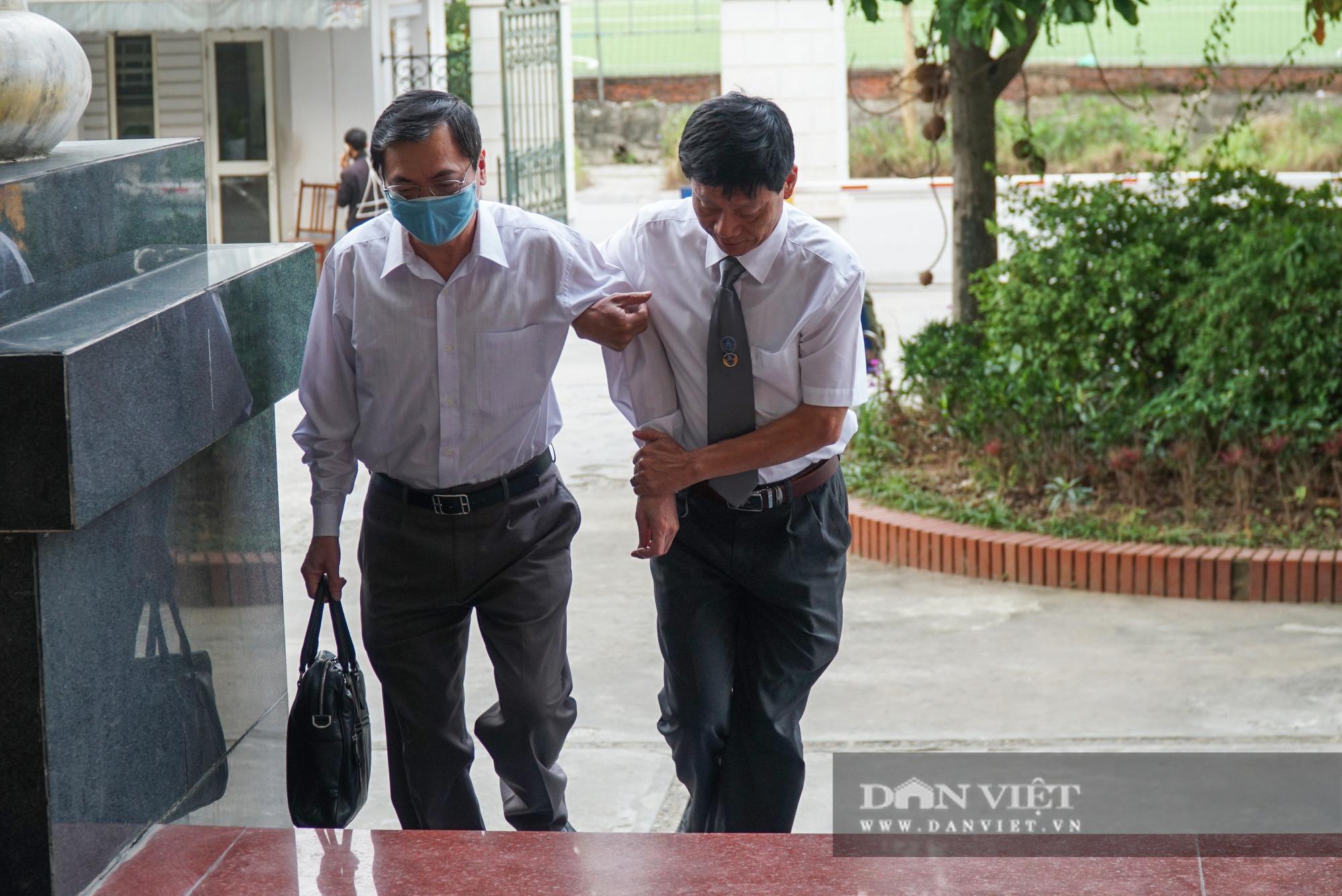 Cựu Bộ trưởng Vũ Huy Hoàng trông thế nào ở phiên xử lần thứ 3? - Ảnh 3.