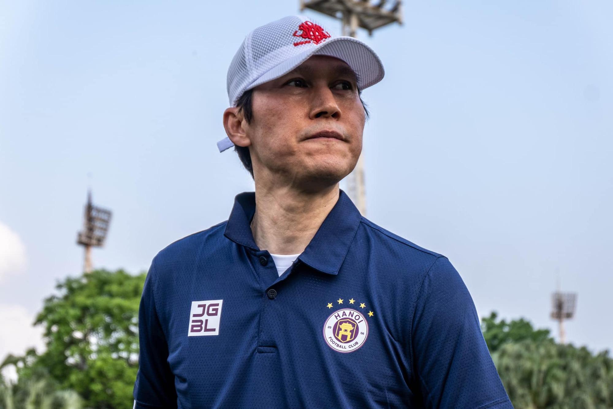 Tân HLV Hà Nội FC gửi yêu cầu khẩn cấp tới bầu Hiển - Ảnh 1.
