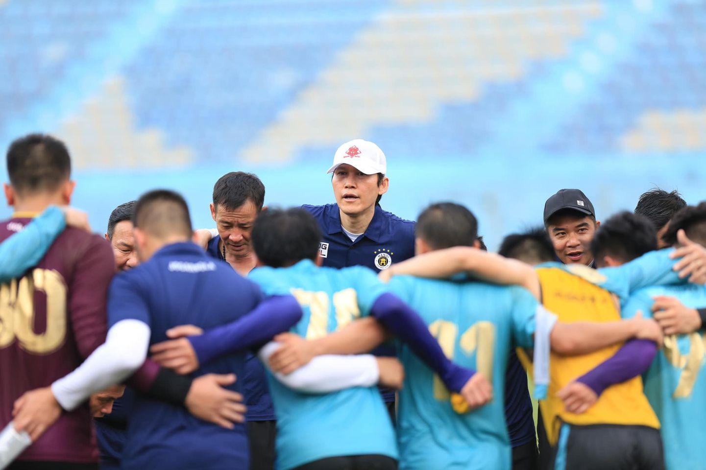 Tân HLV Hà Nội FC gửi yêu cầu khẩn cấp tới bầu Hiển - Ảnh 2.
