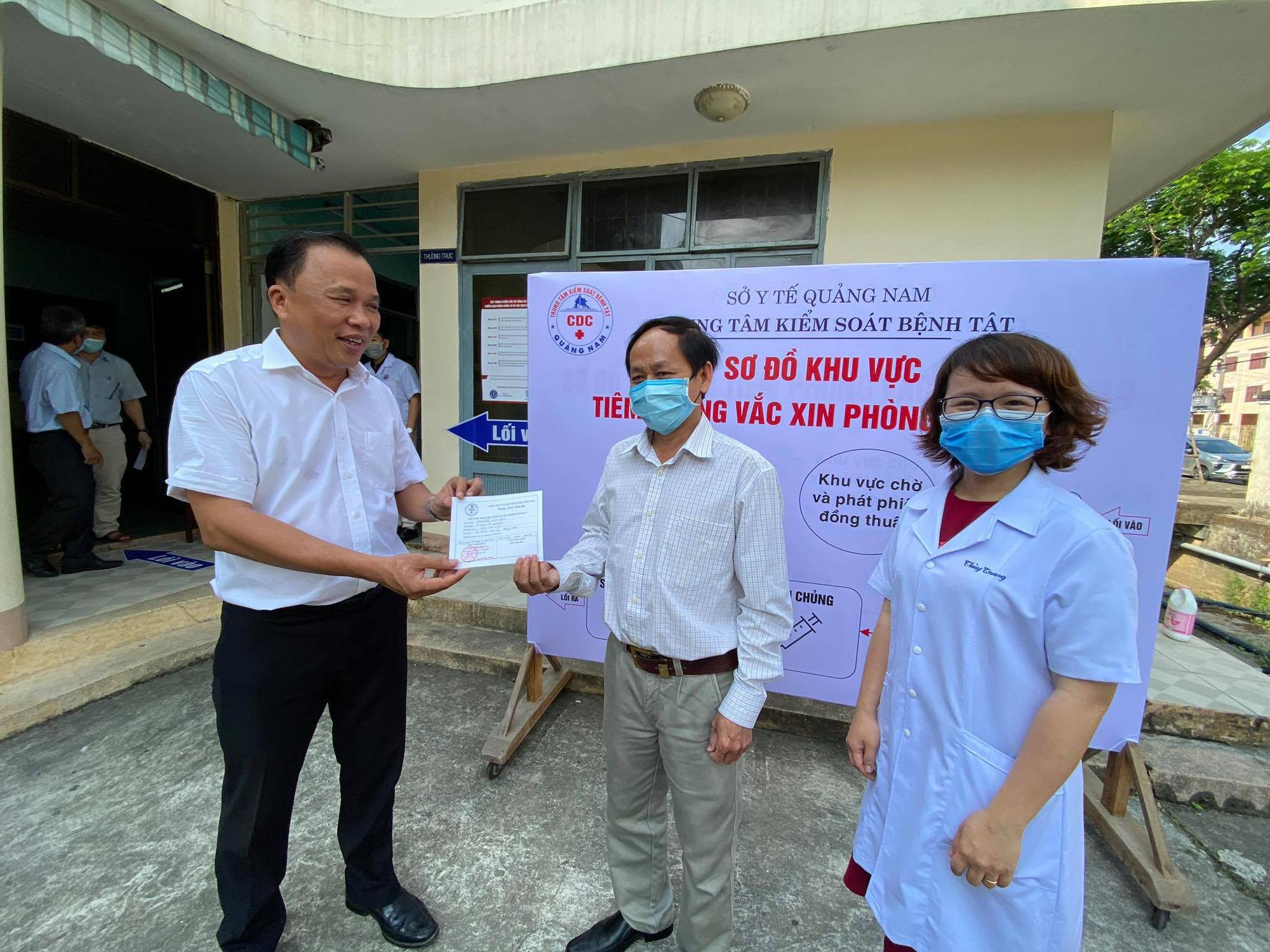 Ngành y tế Quảng Nam triển khai tiêm 8.400 liều vắc xin ngừa Covid-19 - Ảnh 3.