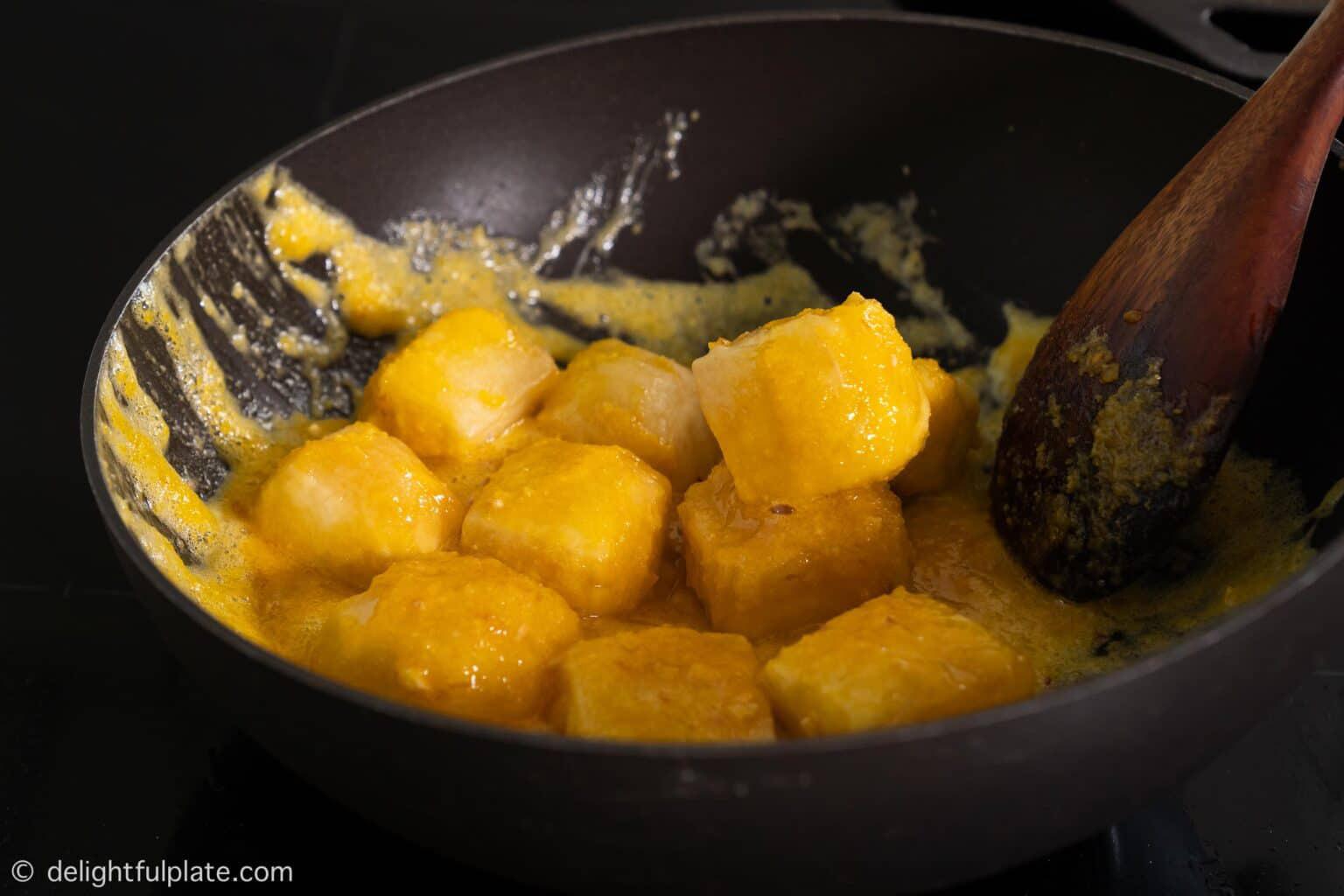 Làm đậu sốt trứng muối nhất định phải nhớ bí quyết này - Ảnh 8.