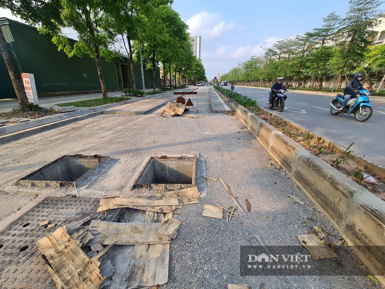 Mặt đường dự án BT 'đại lộ nghìn tỉ' Chu Văn An bị đào xới nham nhở - Ảnh 2.