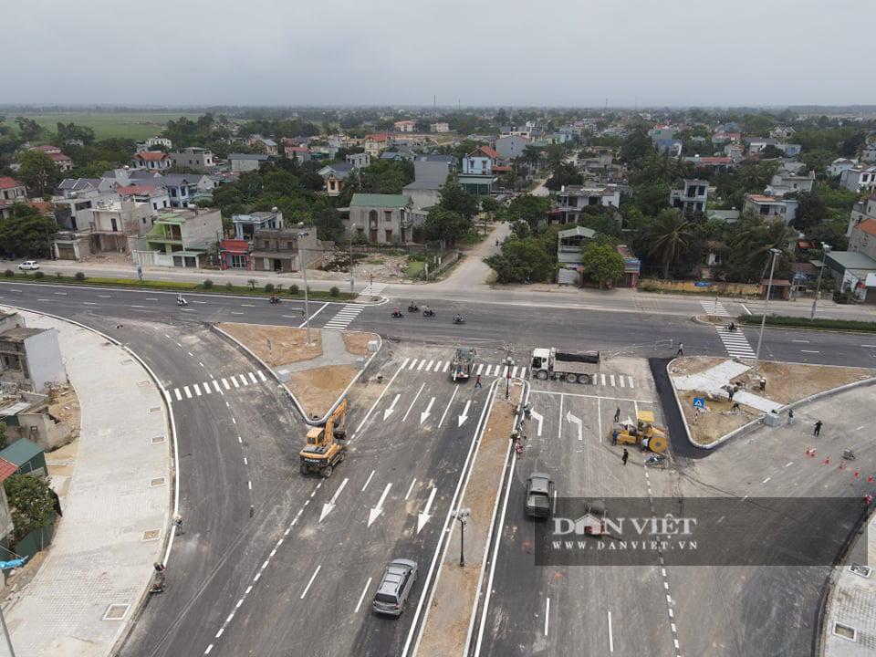 Cận cảnh dự án đường ven biển Nghi Sơn - Sầm Sơn có tổng mức đầu tư hơn 1.479 tỷ đồng trước ngày thông tuyến - Ảnh 1.