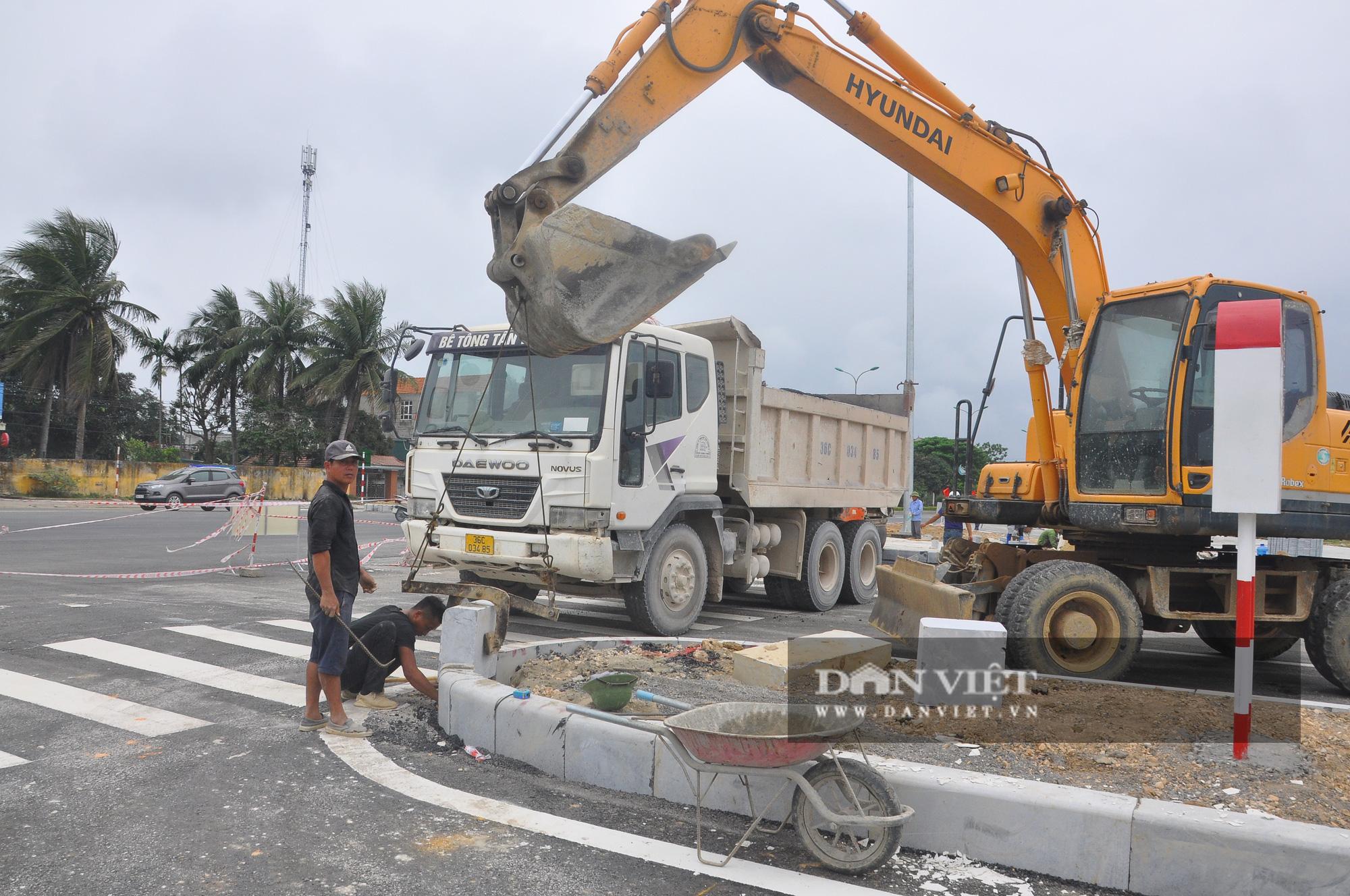 Cận cảnh dự án đường ven biển Nghi Sơn - Sầm Sơn có tổng mức đầu tư hơn 1.479 tỷ đồng trước ngày thông tuyến - Ảnh 7.