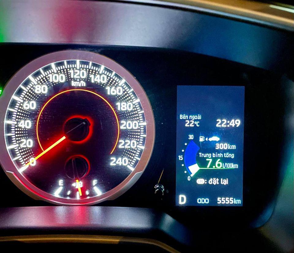 Toyota Corolla Cross mới chạy hơn 5.000 km, màu trắng ngọc trai, rao bán giá sốc - Ảnh 6.