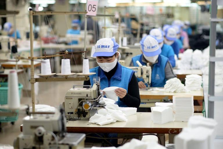 Việt Nam được lợi gì khi Mỹ tung gói hỗ trợ 1.900 tỷ USD - Ảnh 2.