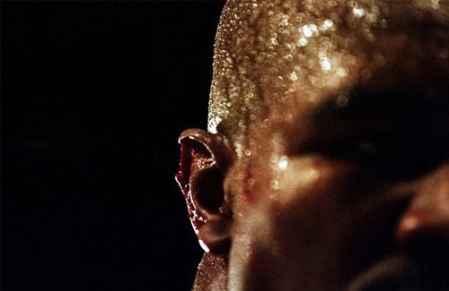 """Mike Tyson cắn tai Evander Holyfield: """"Vết nhơ"""" khiến quyền anh đi xuống - Ảnh 3."""