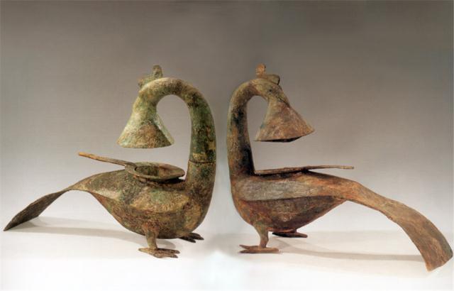 Kho báu cổ vật điêu khắc khổng lồ được khai quật từ lăng mộ hơn 2000 năm khiến cả thế giới sững sờ - Ảnh 2.