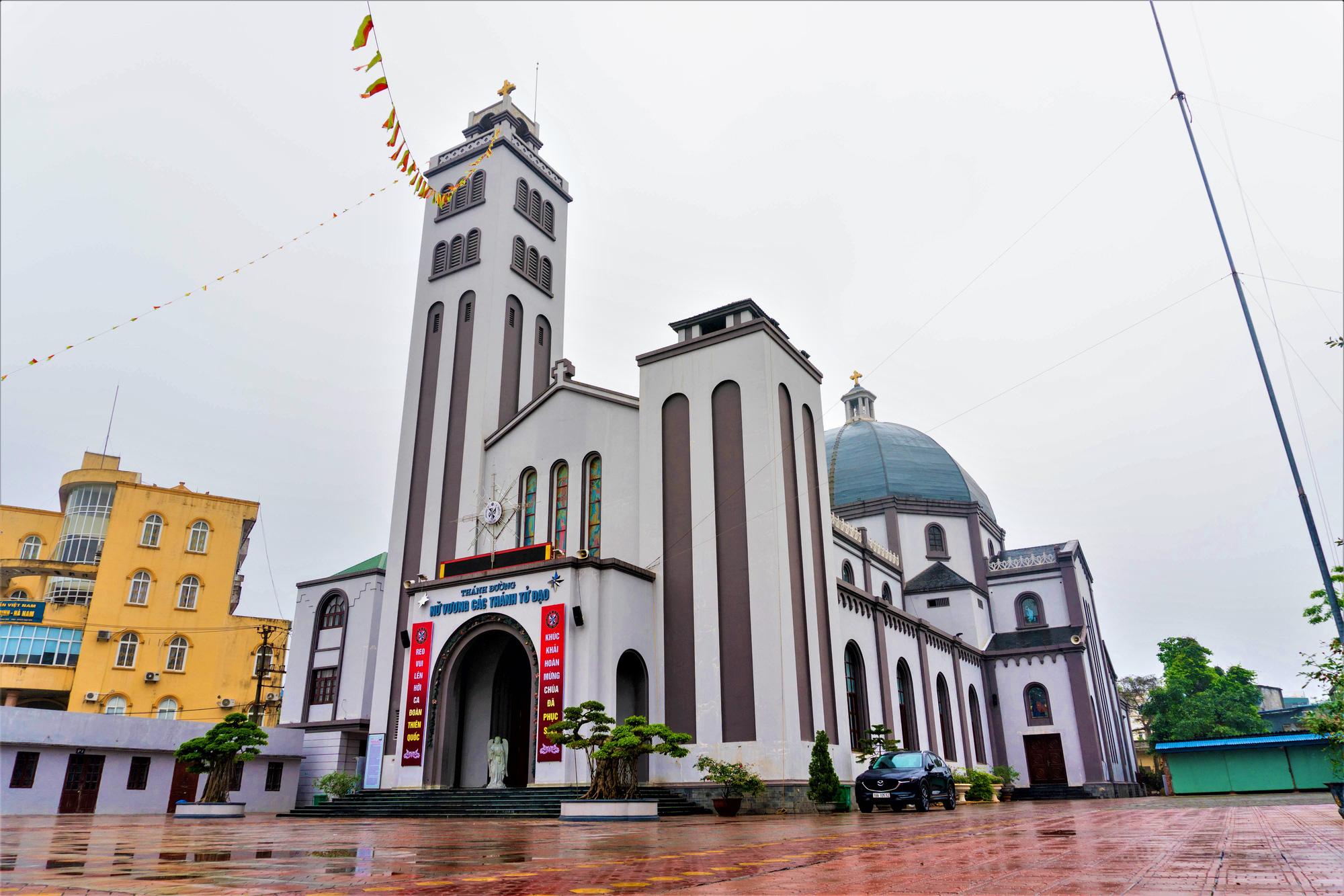 Về thăm nhà thờ Khoái Đồng, nơi thờ hiện thân của ông già Noel - Ảnh 1.