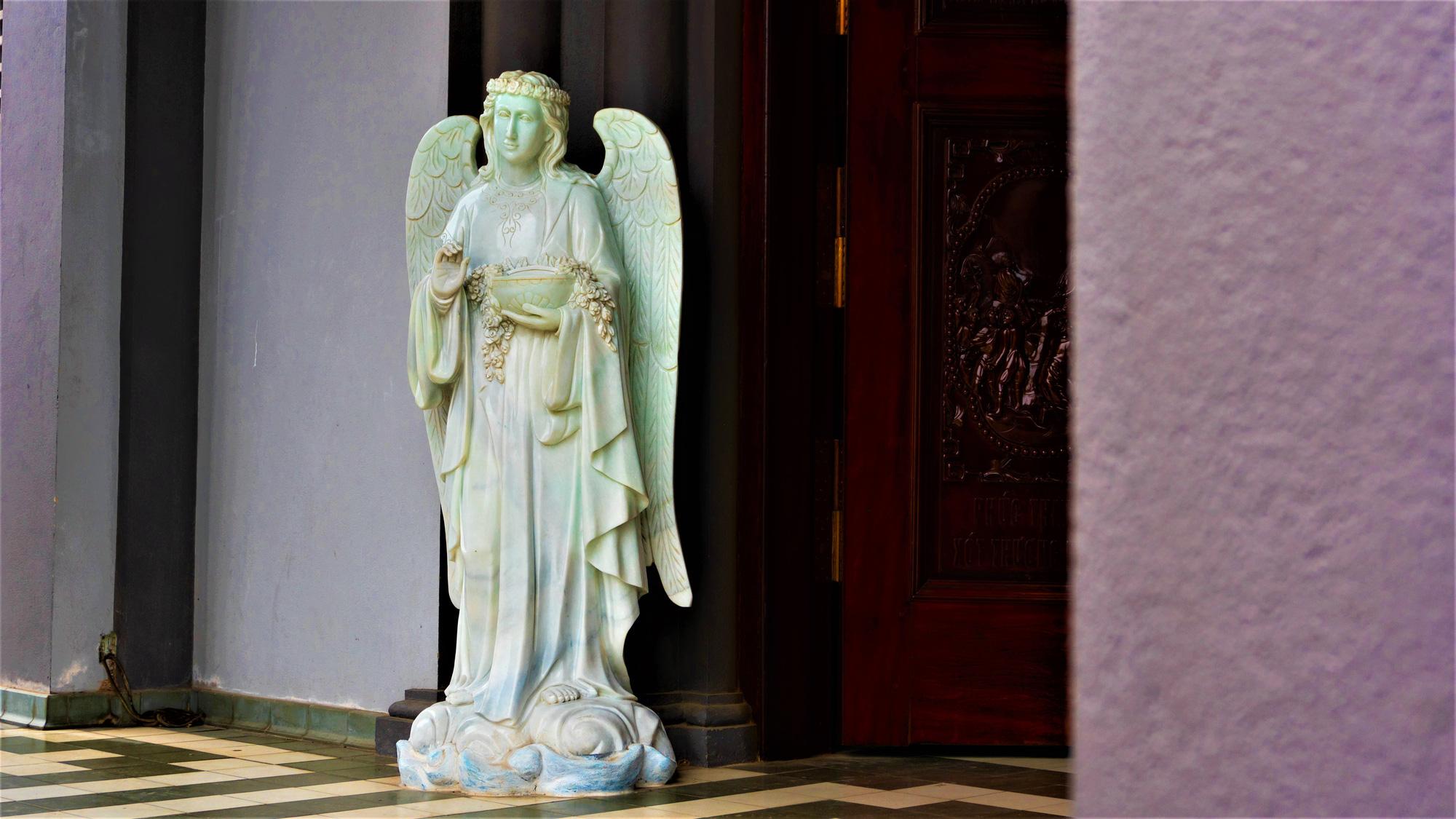 Về thăm nhà thờ Khoái Đồng, nơi thờ hiện thân của ông già Noel - Ảnh 7.