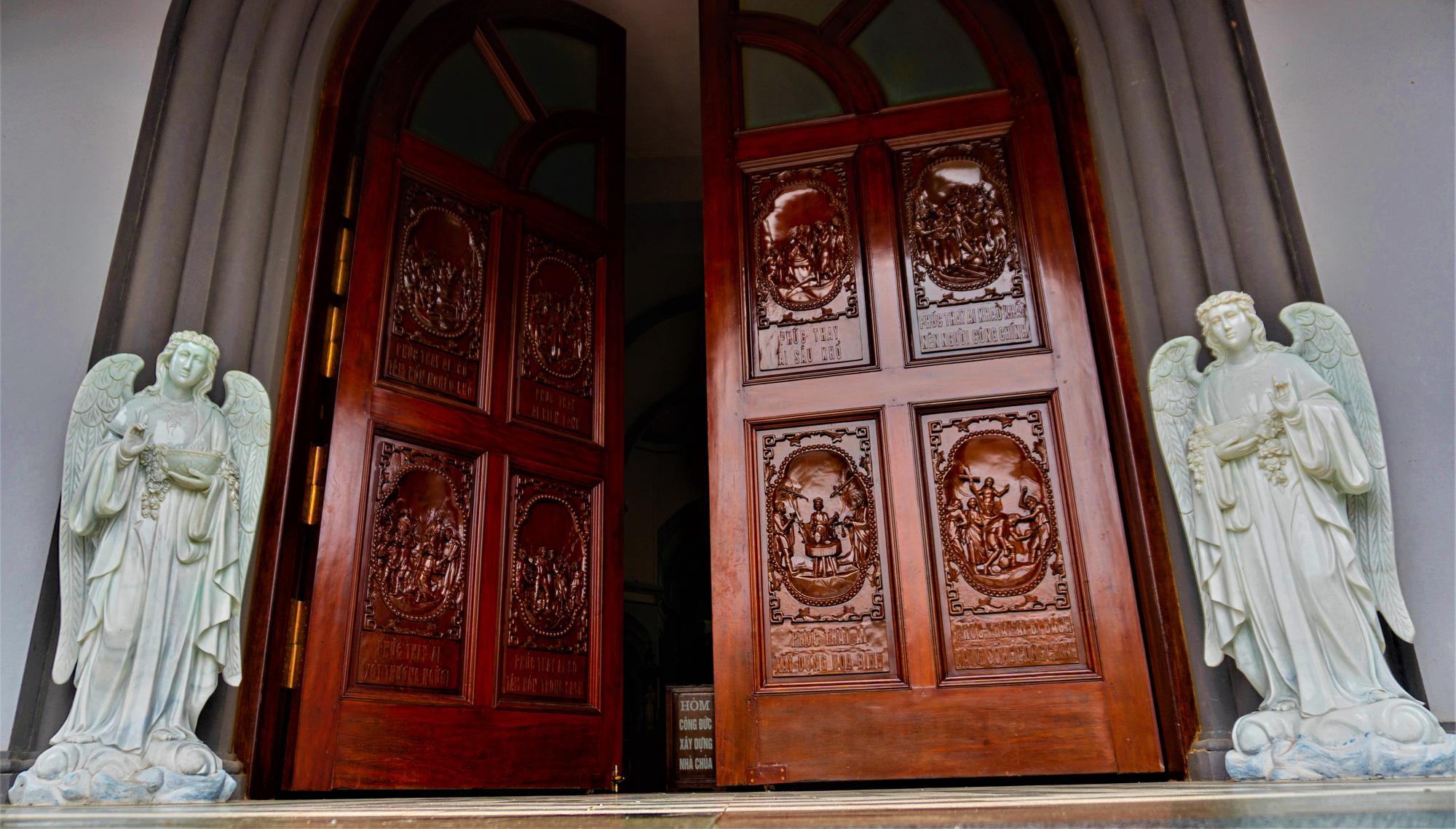 Về thăm nhà thờ Khoái Đồng, nơi thờ hiện thân của ông già Noel - Ảnh 8.