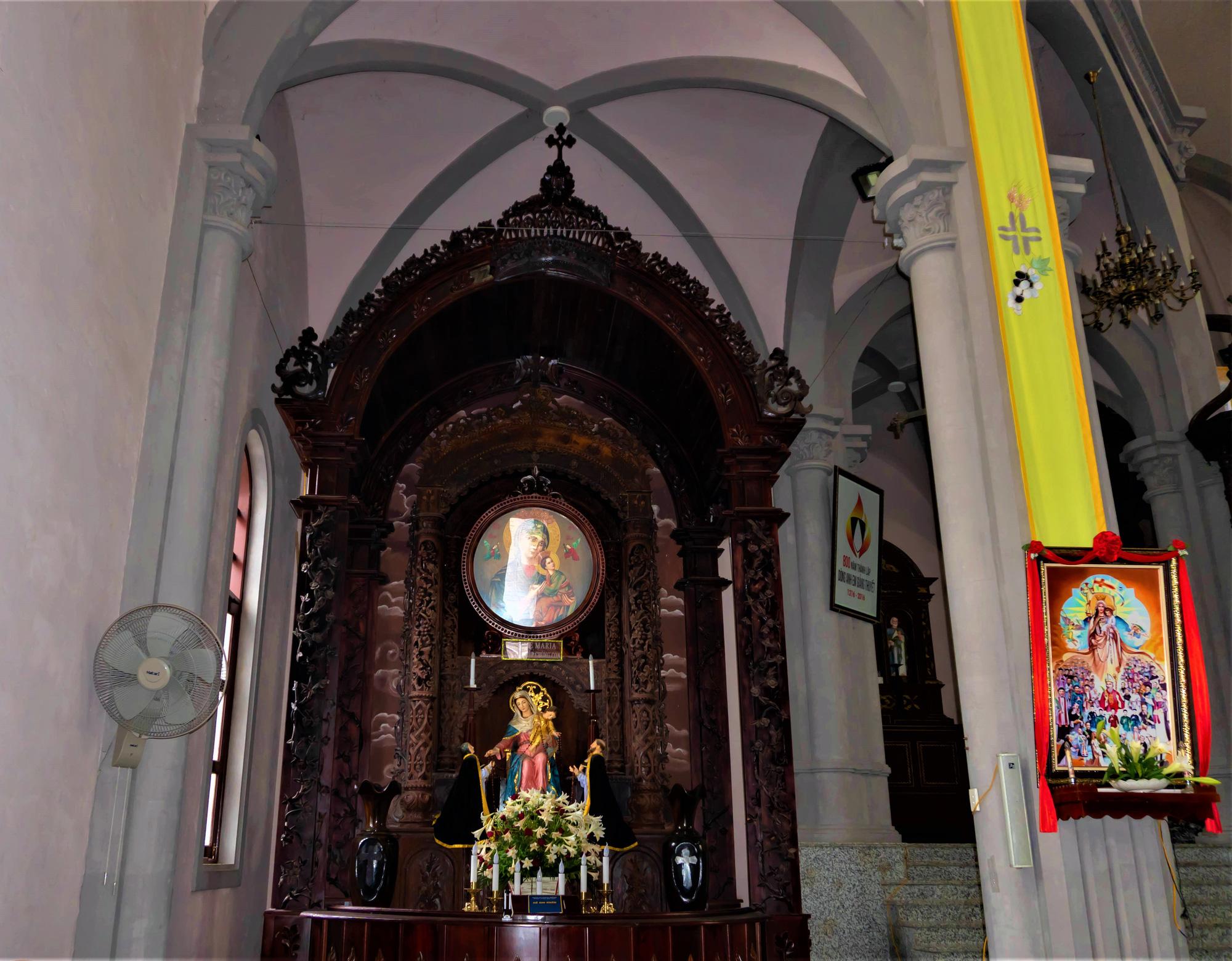 Về thăm nhà thờ Khoái Đồng, nơi thờ hiện thân của ông già Noel - Ảnh 10.