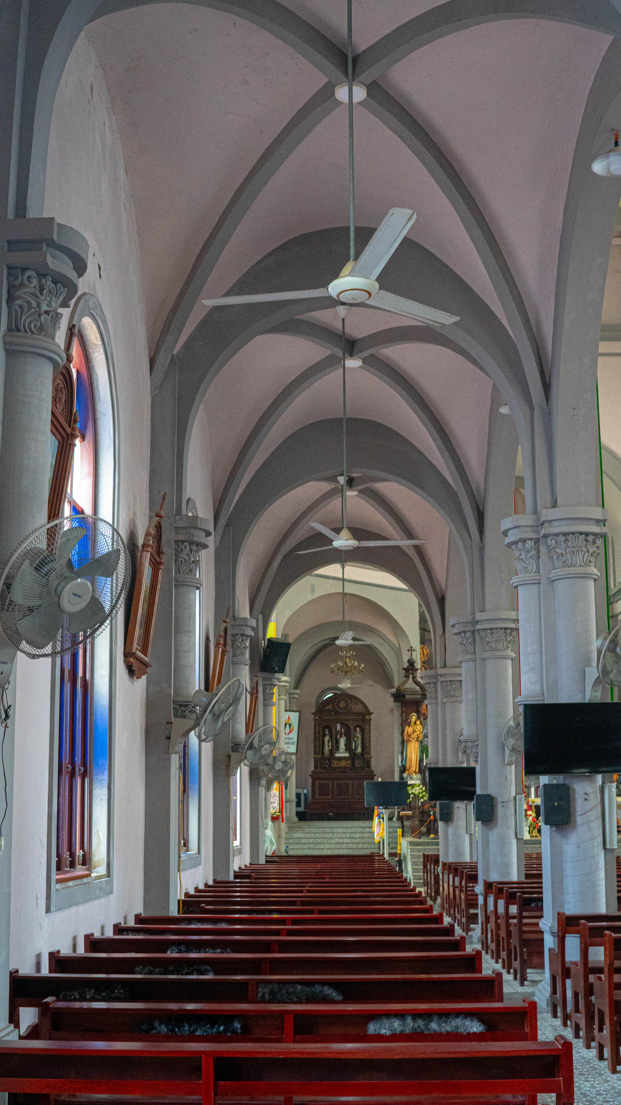 Về thăm nhà thờ Khoái Đồng, nơi thờ hiện thân của ông già Noel - Ảnh 17.