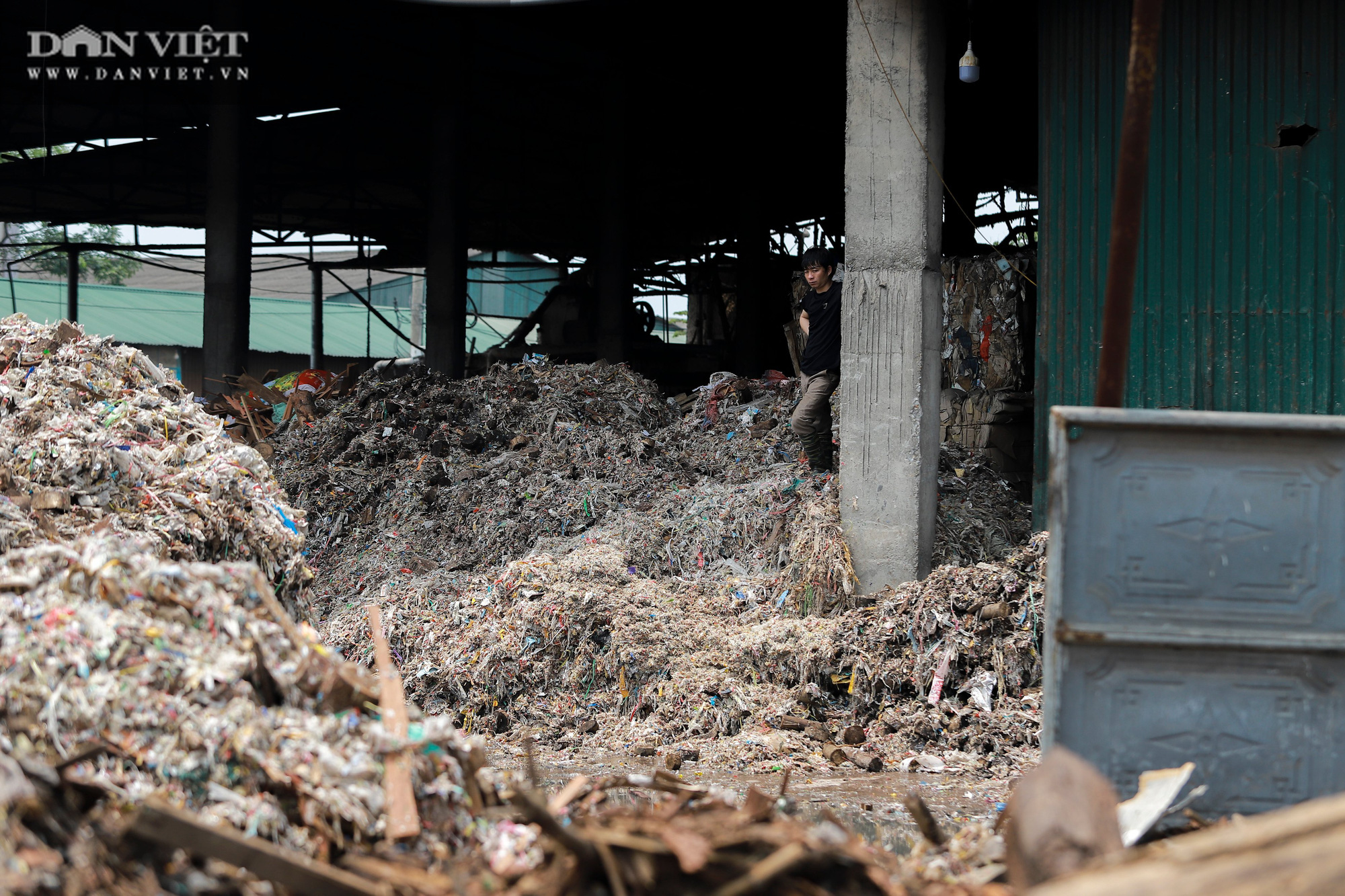 Ám ảnh khủng khiếp ở làng giấy Phú Lâm: Ô nhiễm đến con ruồi cũng không sống nổi, công nhân bán mòn sức - Ảnh 20.