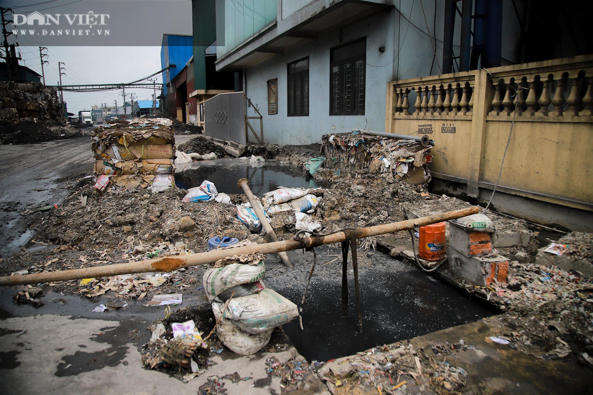 Ám ảnh khủng khiếp ở làng giấy Phú Lâm: Ô nhiễm đến con ruồi cũng không sống nổi, công nhân bán mòn sức - Ảnh 21.
