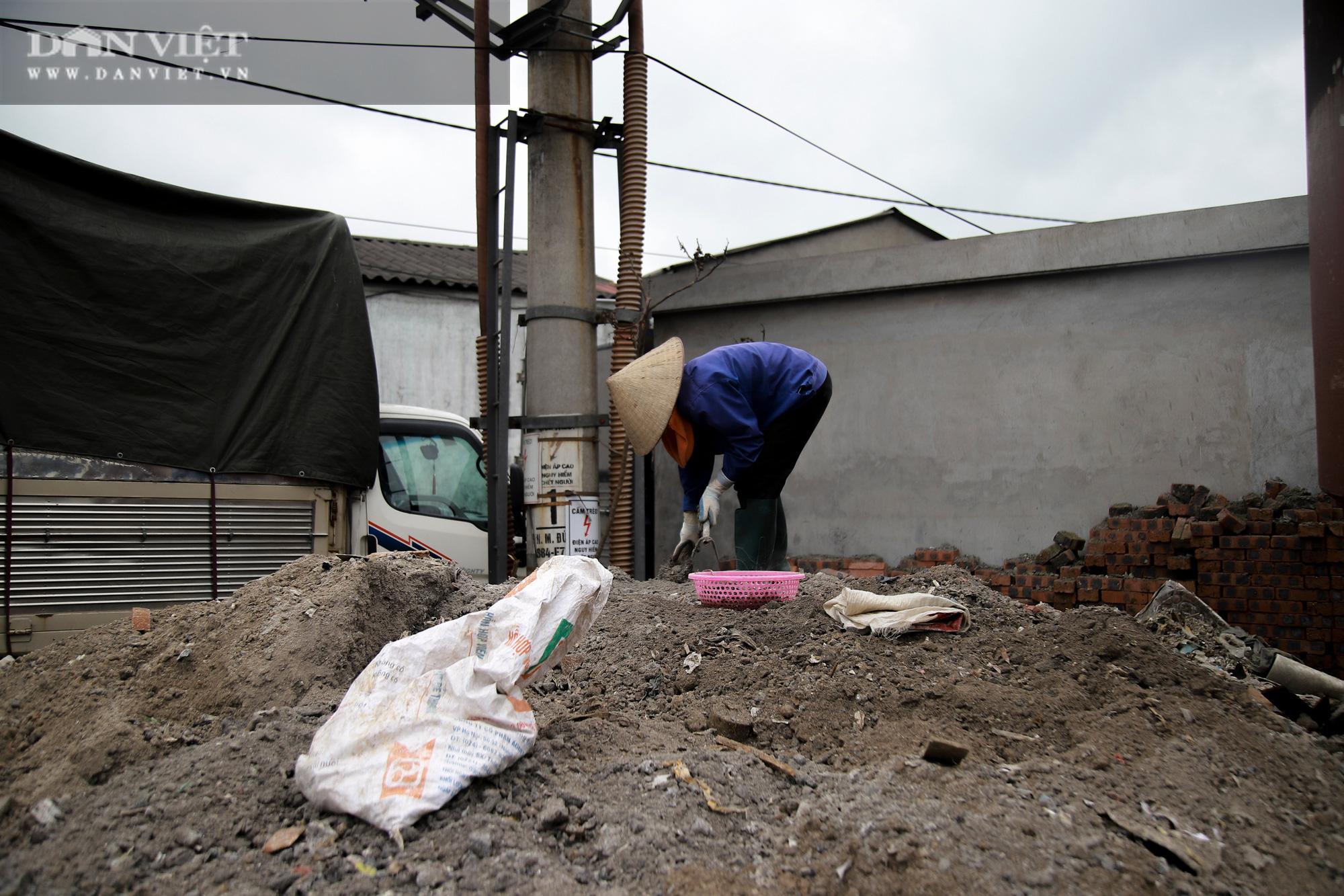 Ám ảnh khủng khiếp ở làng giấy Phú Lâm: Ô nhiễm đến con ruồi cũng không sống nổi, công nhân bán mòn sức - Ảnh 22.