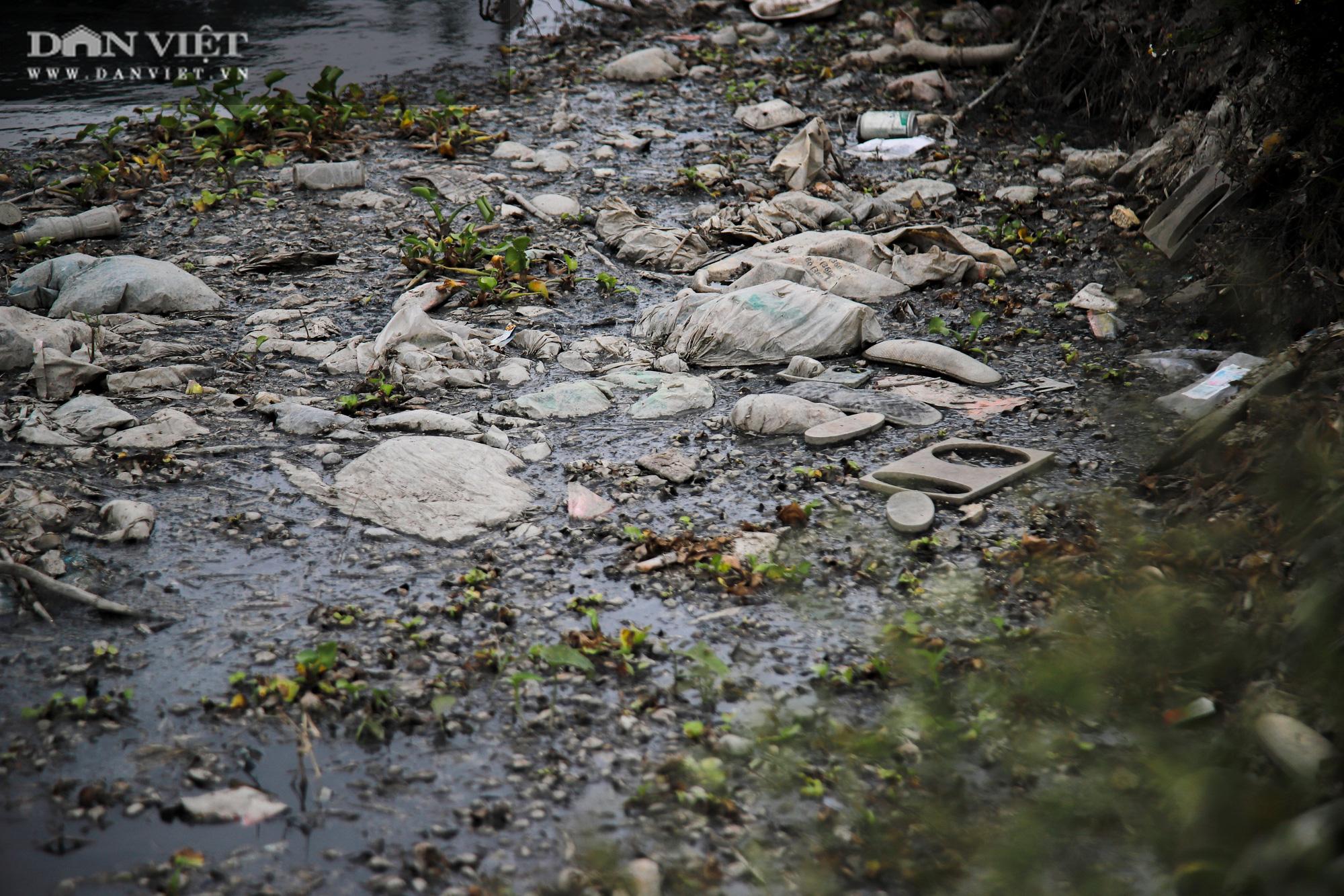 Ám ảnh khủng khiếp ở làng giấy Phú Lâm: Ô nhiễm đến con ruồi cũng không sống nổi, công nhân bán mòn sức - Ảnh 23.