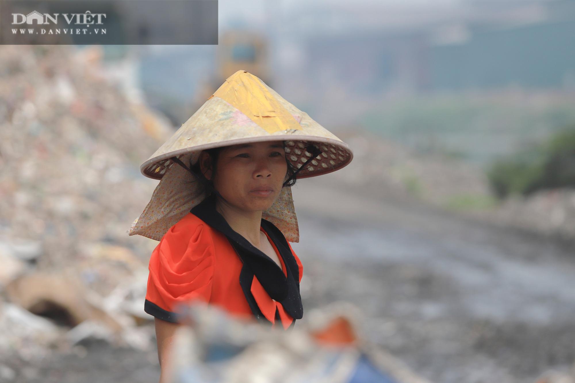 Ám ảnh khủng khiếp ở làng giấy Phú Lâm: Ô nhiễm đến con ruồi cũng không sống nổi, công nhân bán mòn sức - Ảnh 25.