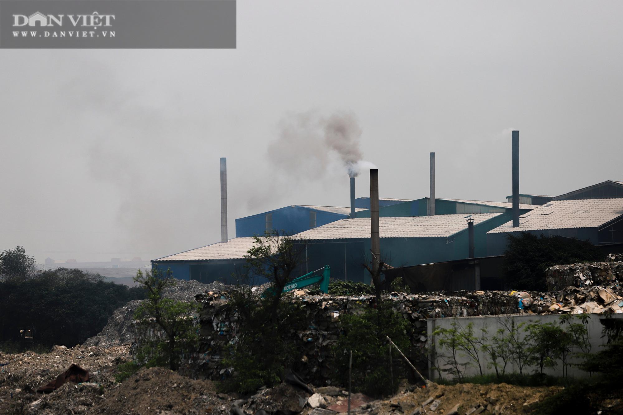Ám ảnh khủng khiếp ở làng giấy Phú Lâm: Ô nhiễm đến con ruồi cũng không sống nổi, công nhân bán mòn sức - Ảnh 3.