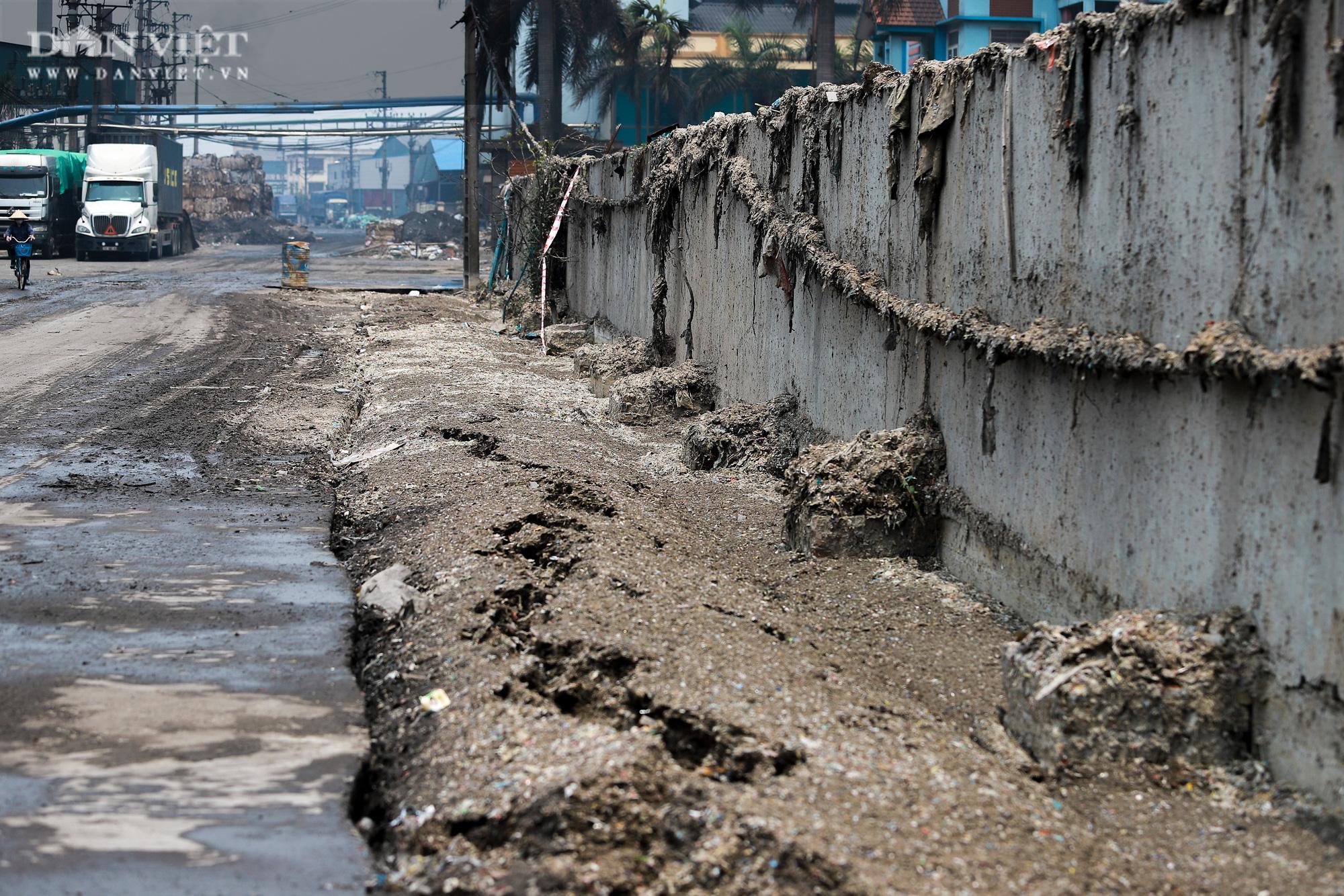 Ám ảnh khủng khiếp ở làng giấy Phú Lâm: Ô nhiễm đến con ruồi cũng không sống nổi, công nhân bán mòn sức - Ảnh 27.