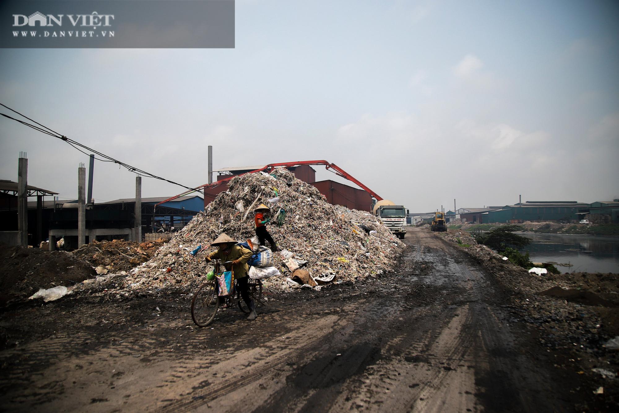Ám ảnh khủng khiếp ở làng giấy Phú Lâm: Ô nhiễm đến con ruồi cũng không sống nổi, công nhân bán mòn sức - Ảnh 32.