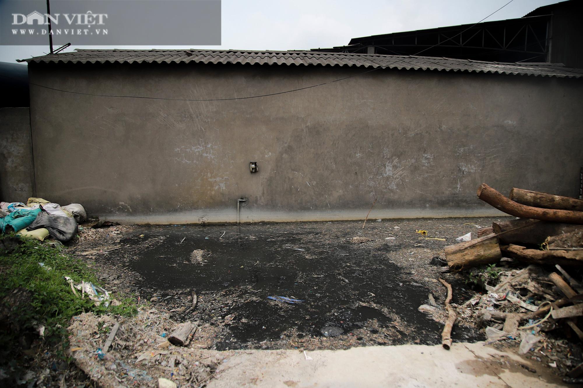 Ám ảnh khủng khiếp ở làng giấy Phú Lâm: Ô nhiễm đến con ruồi cũng không sống nổi, công nhân bán mòn sức - Ảnh 33.