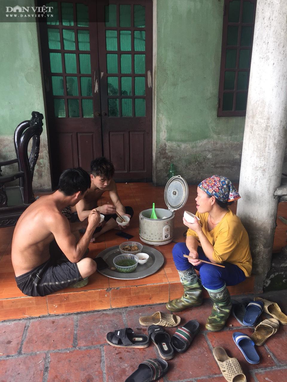 Ám ảnh khủng khiếp ở làng giấy Phú Lâm: Ô nhiễm đến con ruồi cũng không sống nổi, công nhân bán mòn sức - Ảnh 12.