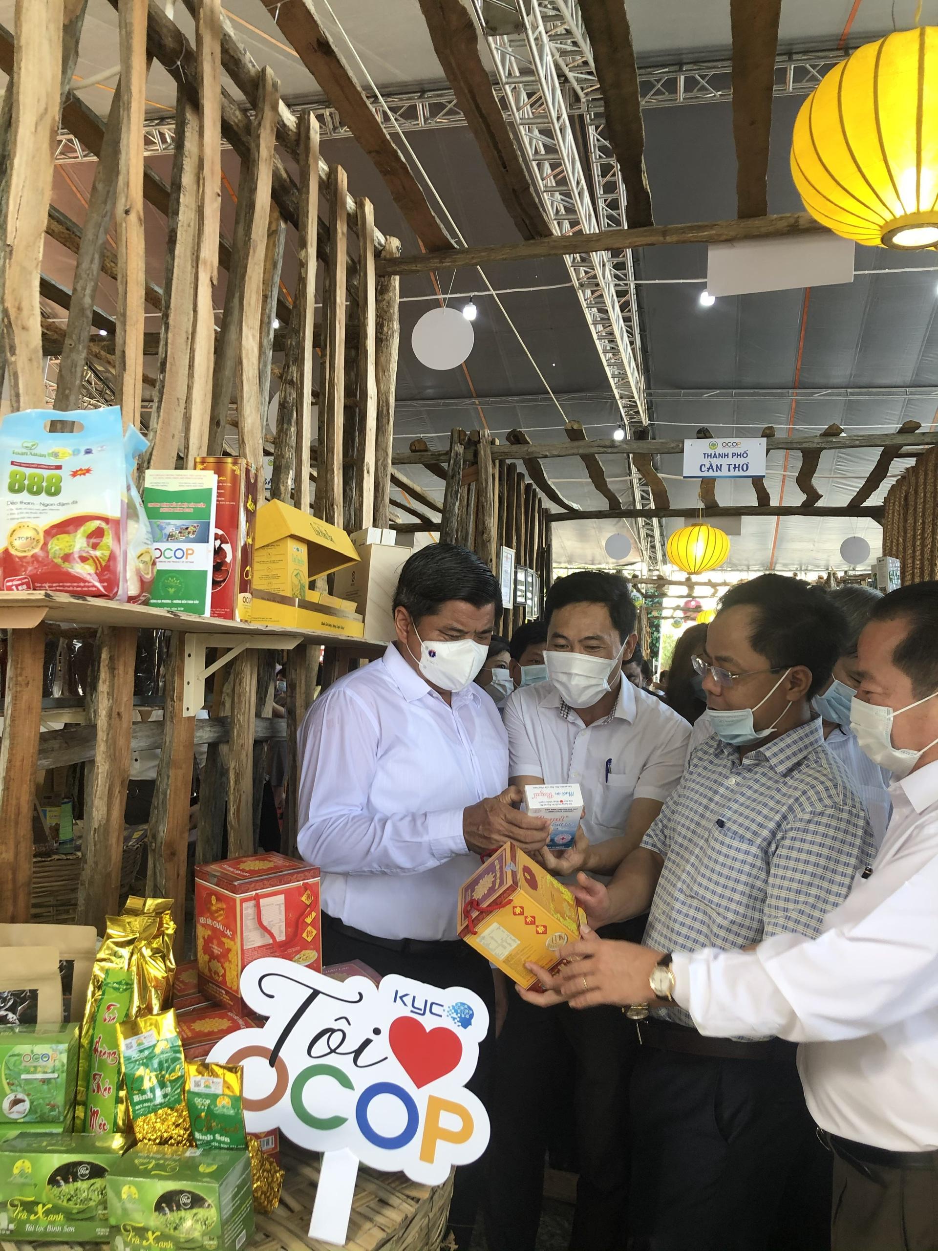 Hàng trăm sản phẩm OCOP – Hương sắc miền Tây hội tụ tại Phú Quốc - Ảnh 6.